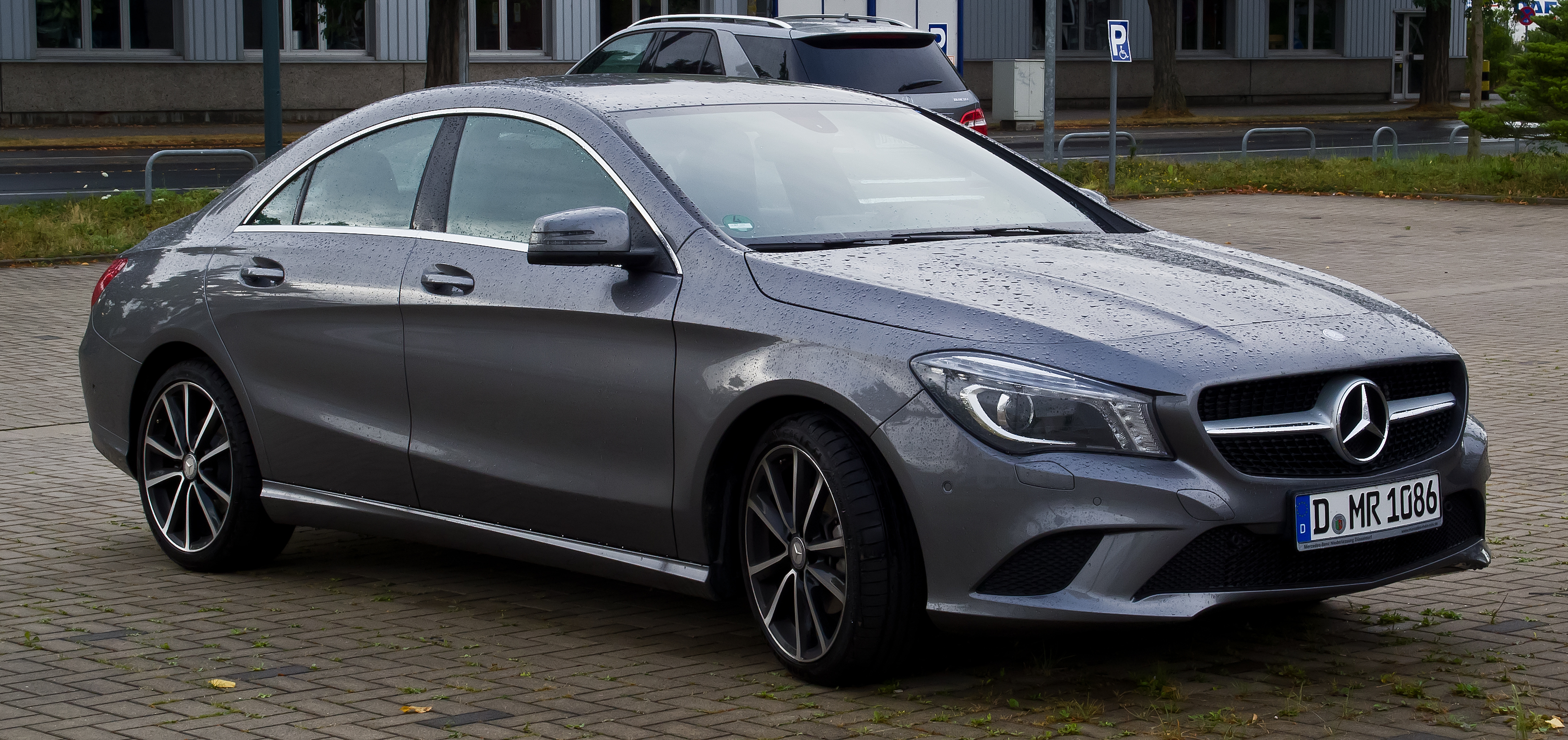 Mercedes cla weight