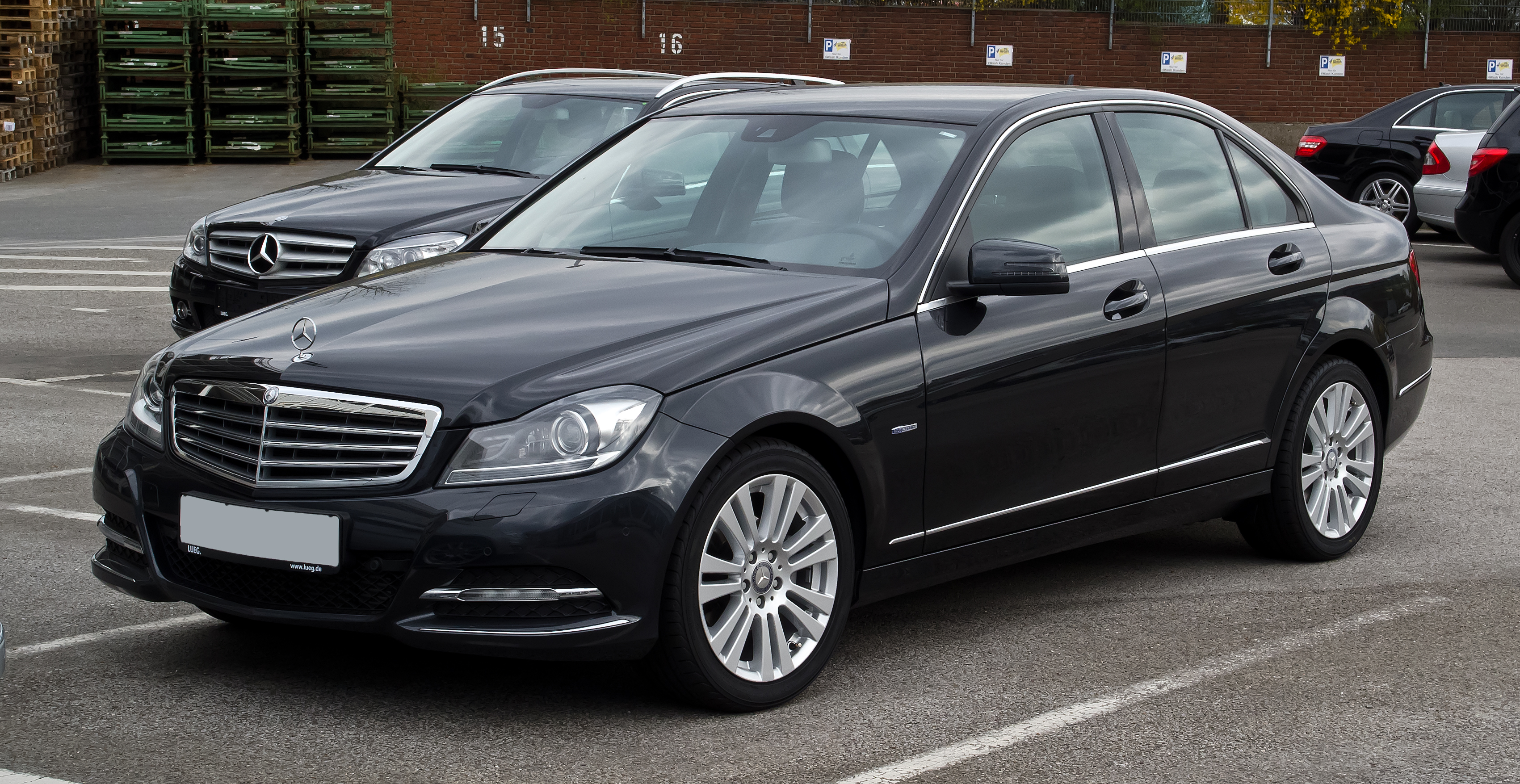 file mercedes benz c 200 cdi blueefficiency elegance w 204 facelift frontansicht 1 april. Black Bedroom Furniture Sets. Home Design Ideas