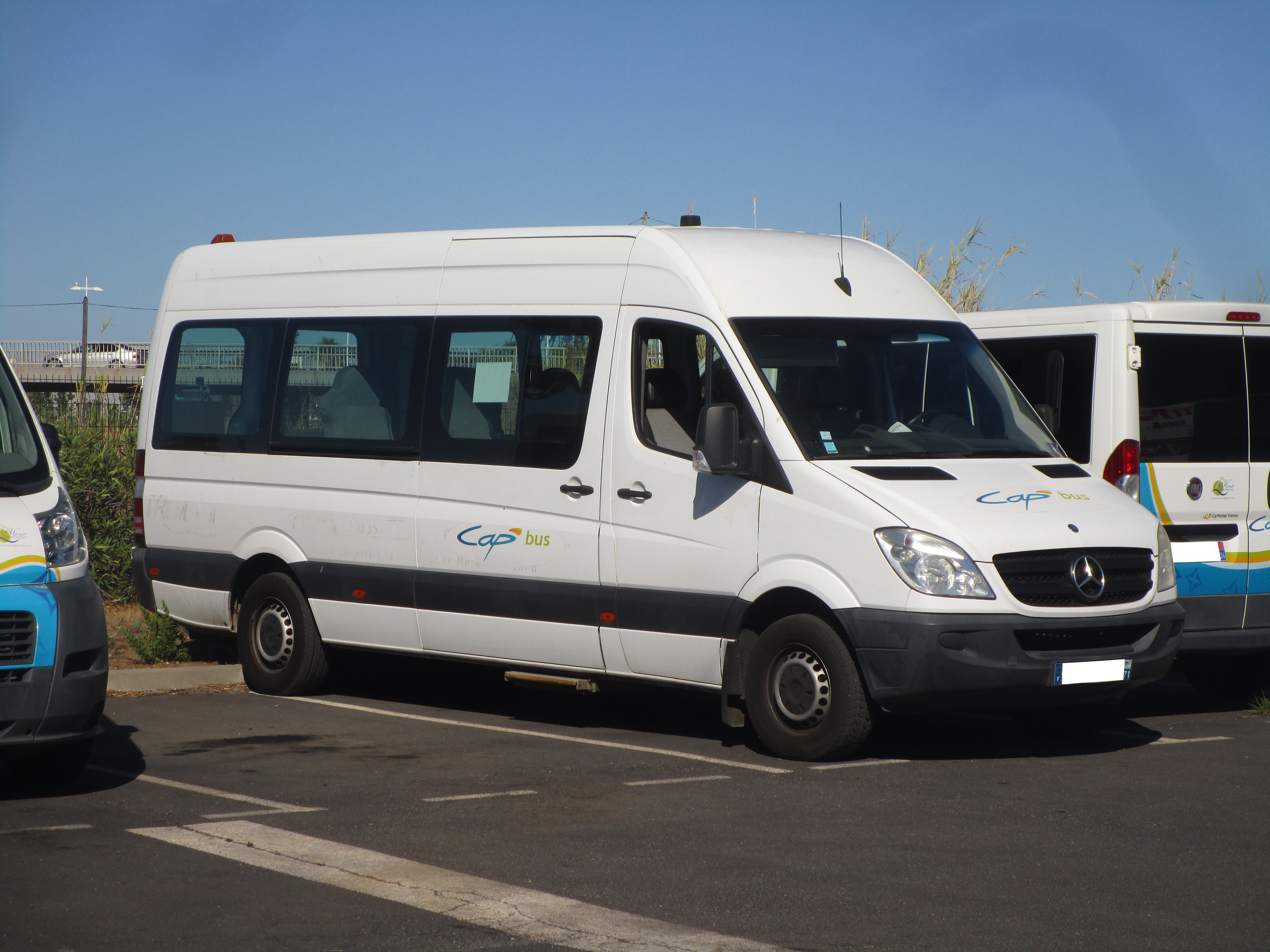 details minibus pass van vehicle benz mercedes sprinter img