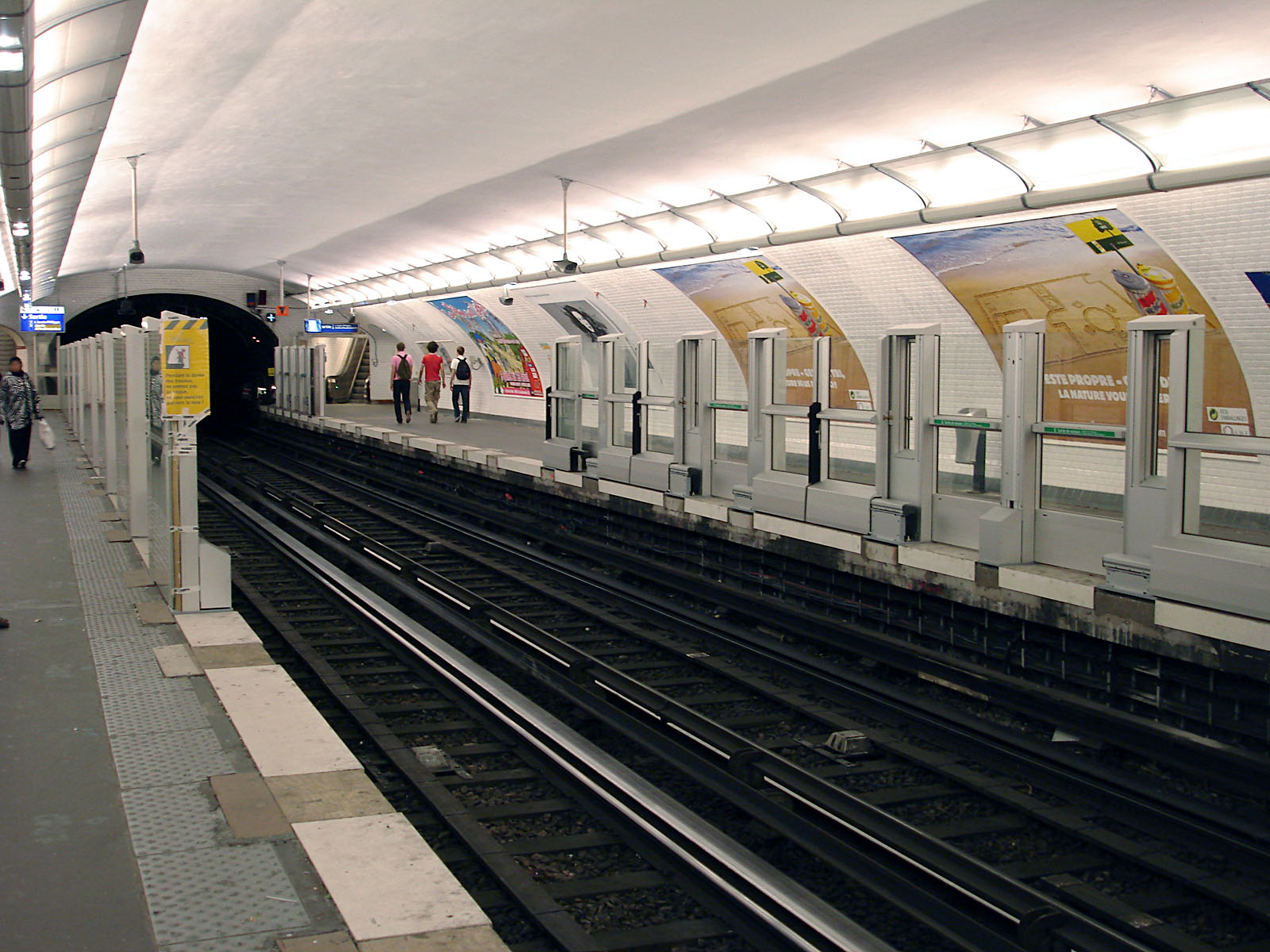file metro de paris ligne 1 les sablons wikimedia commons. Black Bedroom Furniture Sets. Home Design Ideas