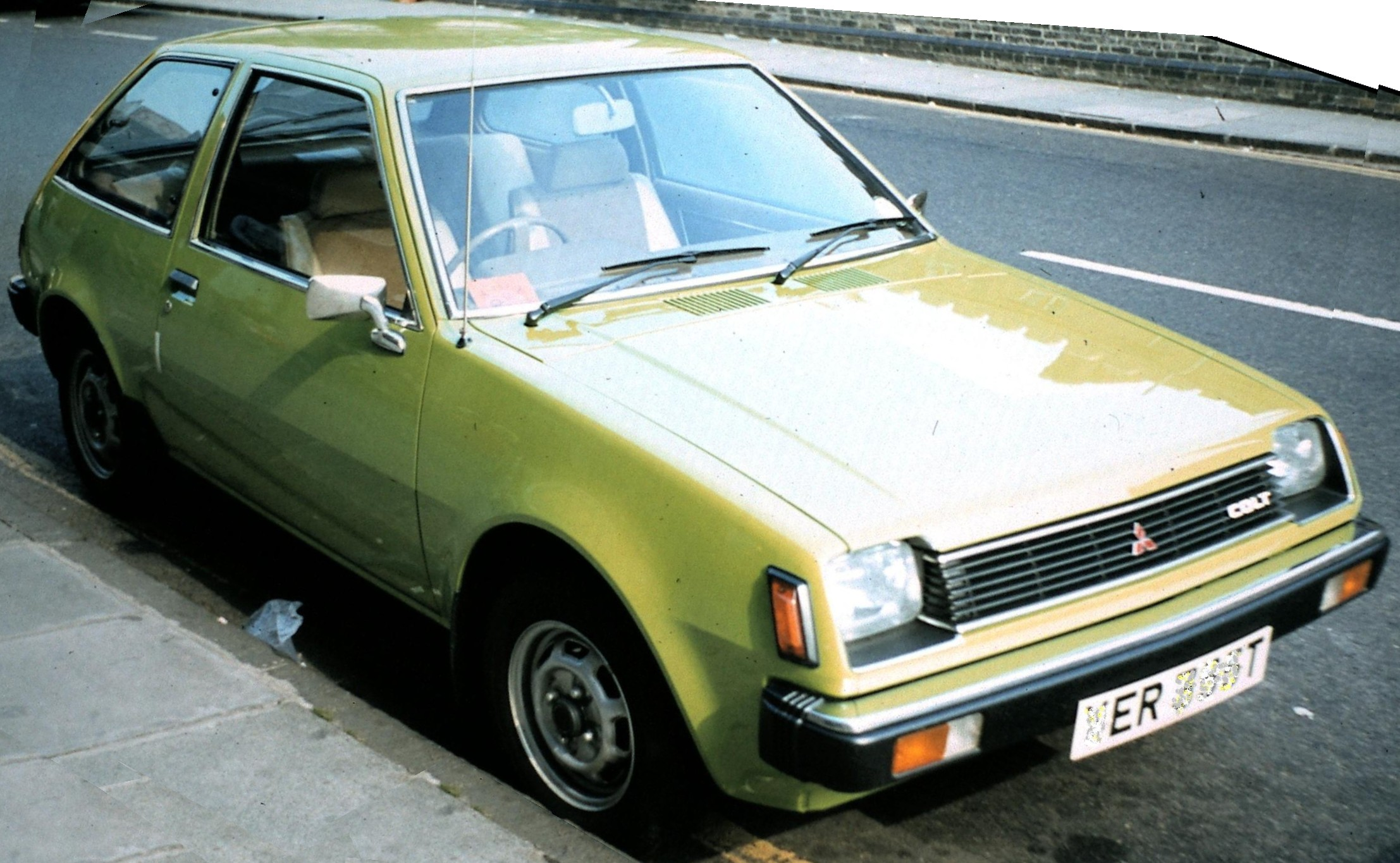 File Mitsubishi Colt Cambridge Gedreht Jpg Wikimedia Commons