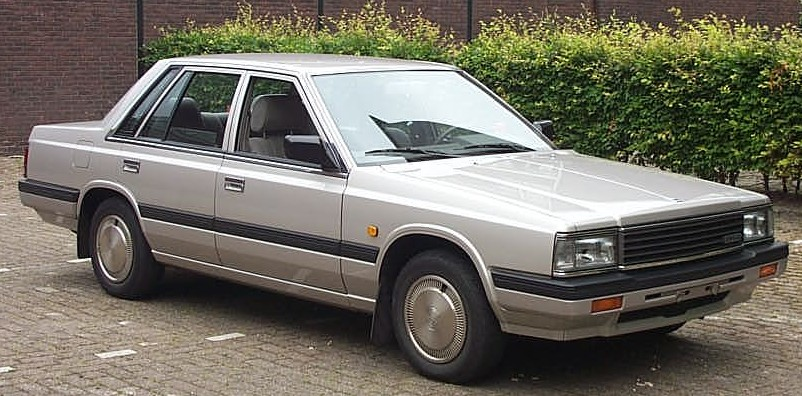 File Nissan Laurel 1984 Silver Jpg Wikimedia Commons