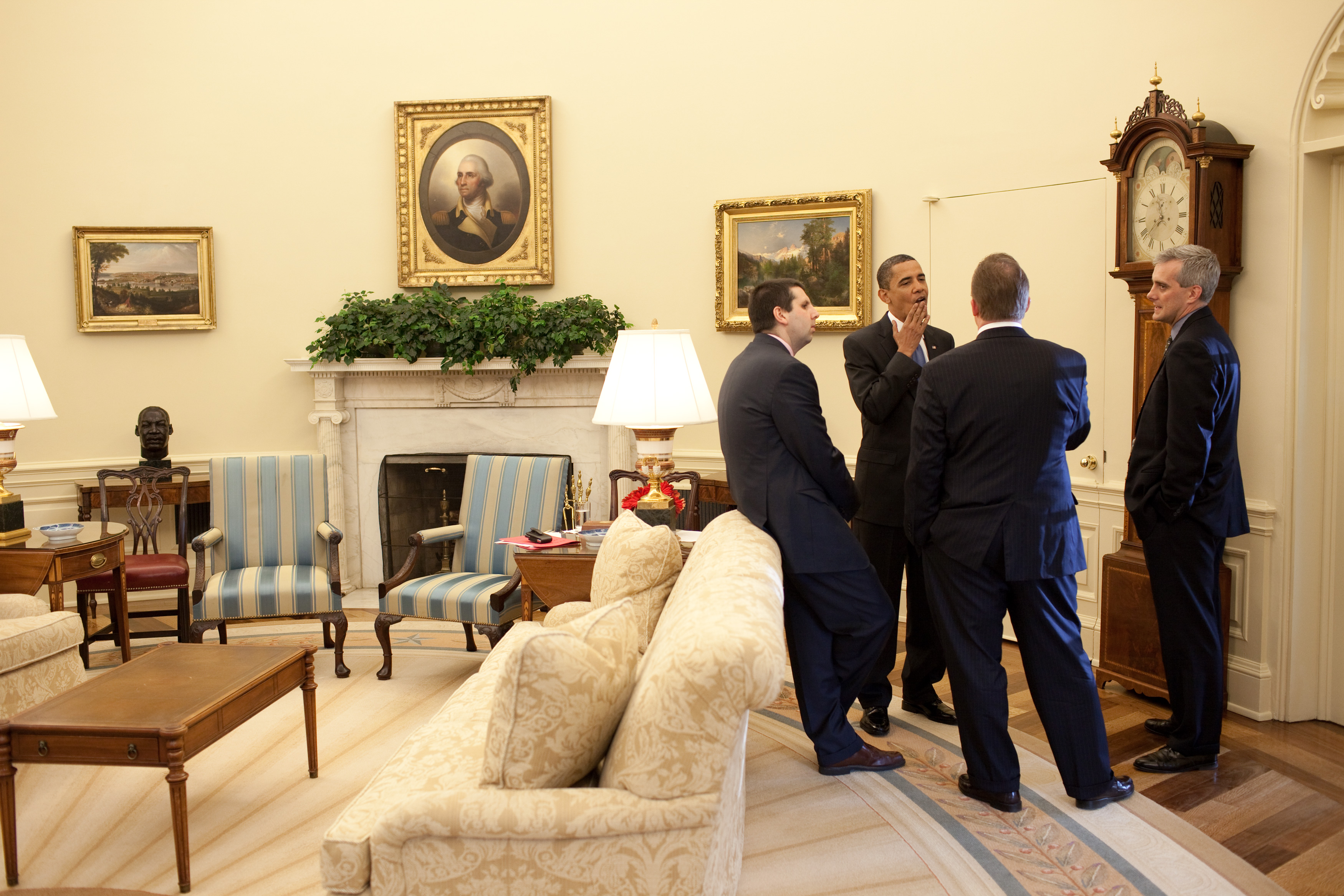 fileobama and his advisors in the oval officejpg fileobama oval officejpg