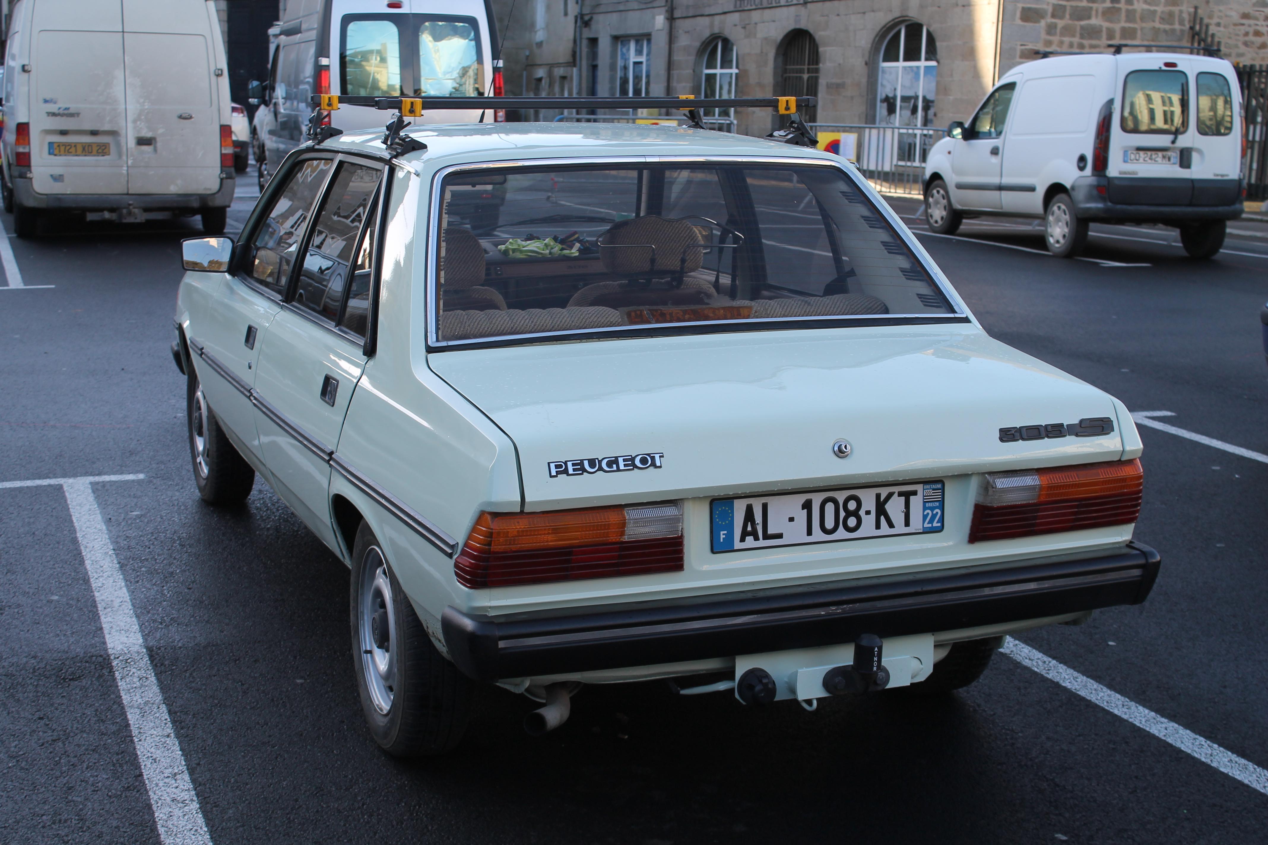 File Peugeot 305 S Arriere Jpg Wikimedia Commons