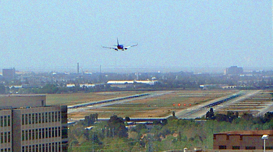 File:Plane landing san jose international airport runway 30r