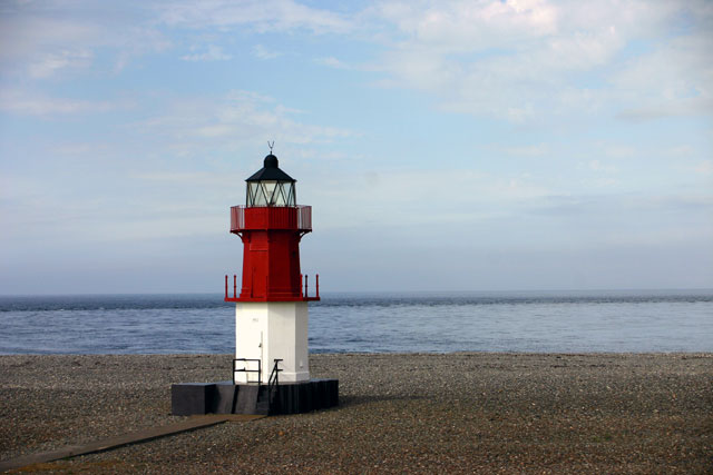 File:Point-of-ayre-small-lighthouse.jpg