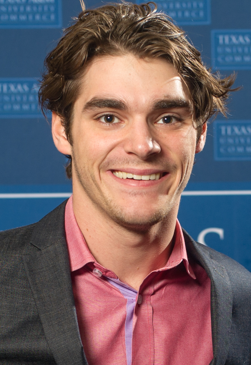 The 25-year old son of father Roy Frank Mitte Jr and mother Dyna Mitte RJ Mitte in 2018 photo. RJ Mitte earned a  million dollar salary - leaving the net worth at 2.5 million in 2018