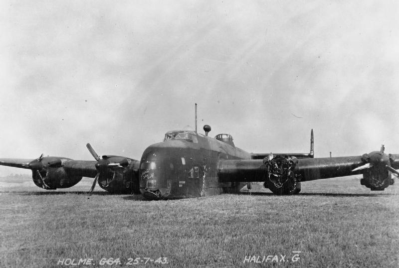 File:Royal Air Force Bomber Command, 1942-1945. CE91.jpg