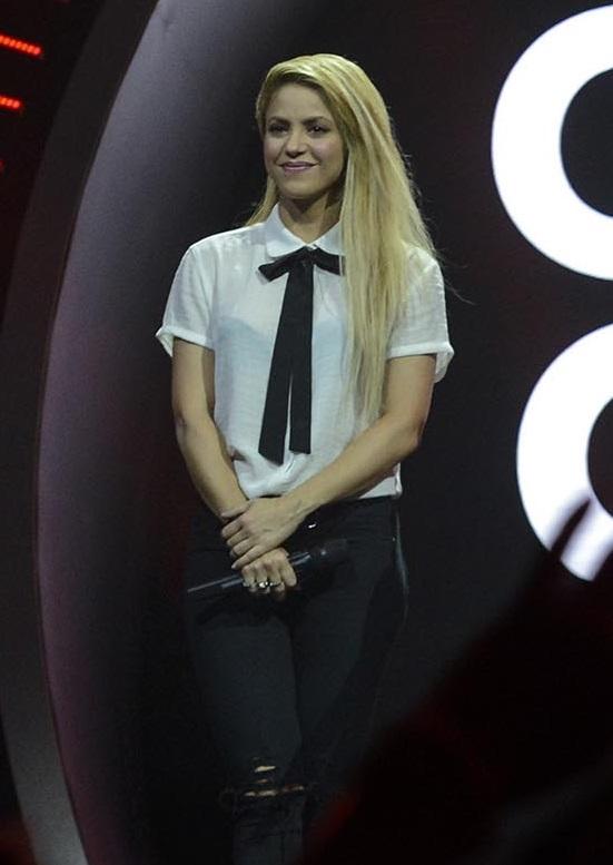 Photo de Shakira avec un hauteur de 157 cm et à l'age de 41 en 2018
