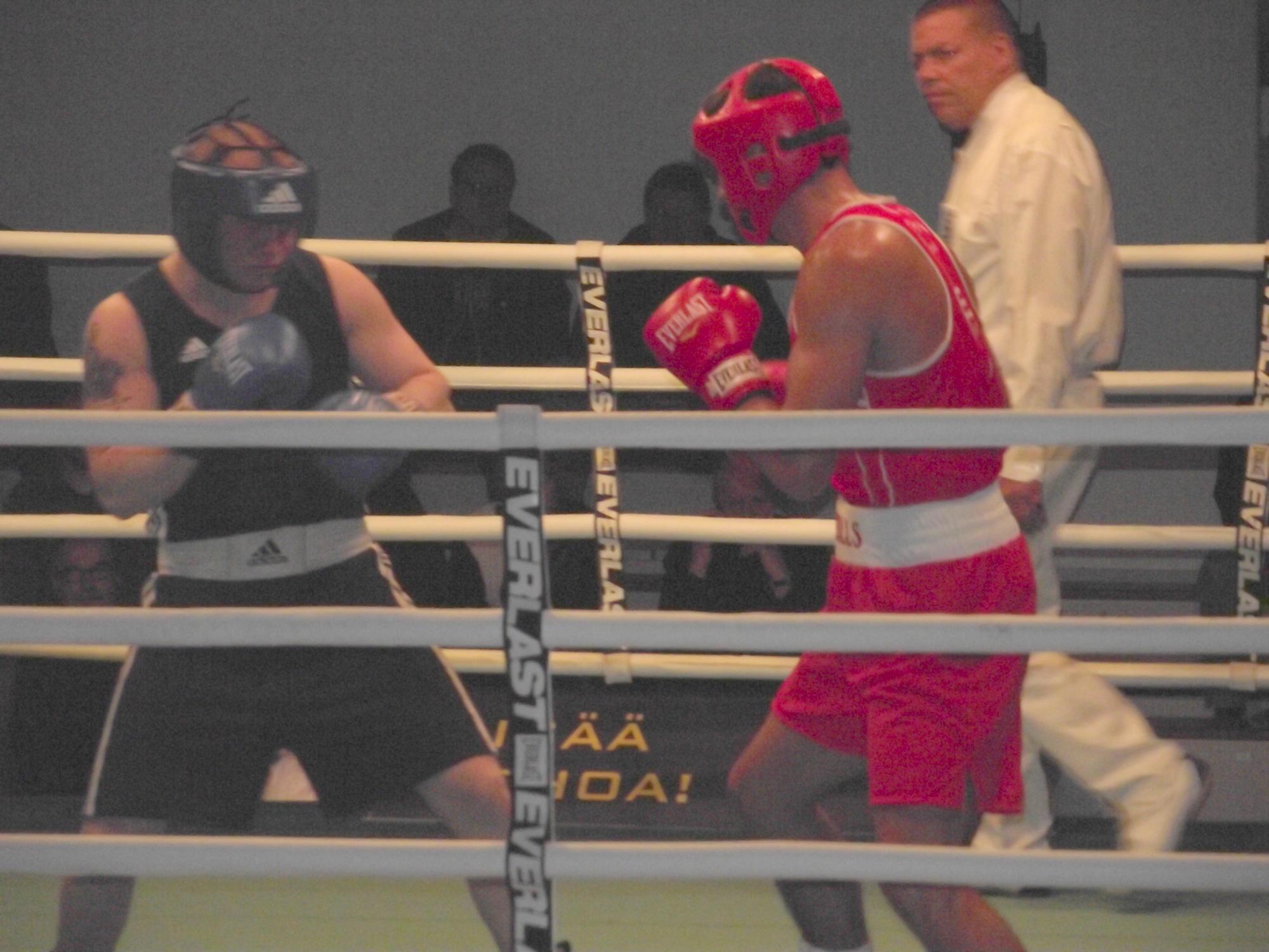 Egan (right) vs. Sinkevich in Gee Bee 2011