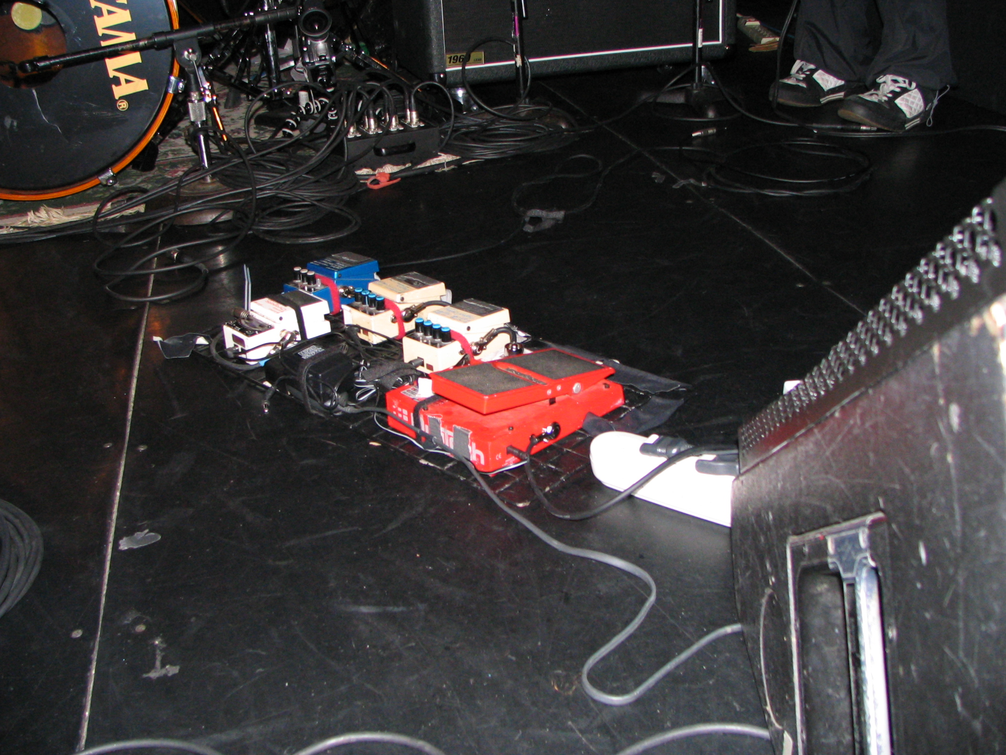 FileSome Effects Pedals Used By Ichirou Agata Of Melt BananaJPG
