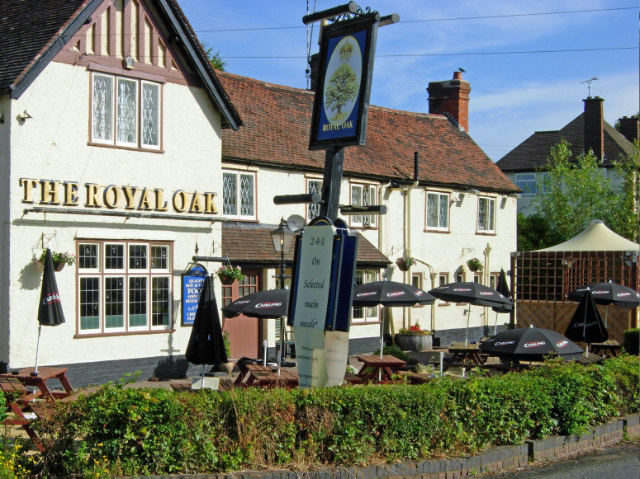 Creative Commons image of The Royal Oak in Kenilworth