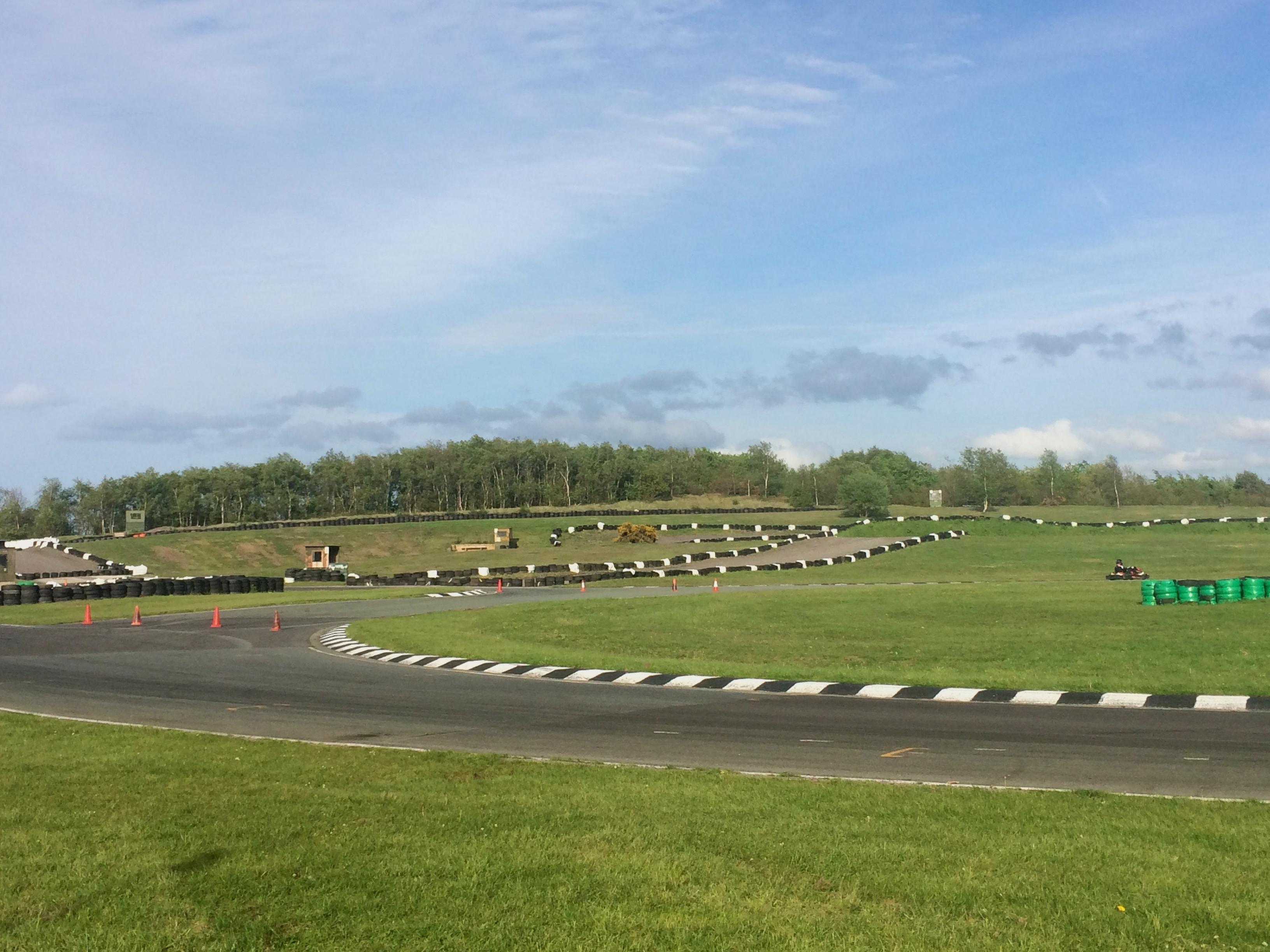 Three Sisters Race Circuit >> File Three Sisters Karting 2 Jpg Wikimedia Commons