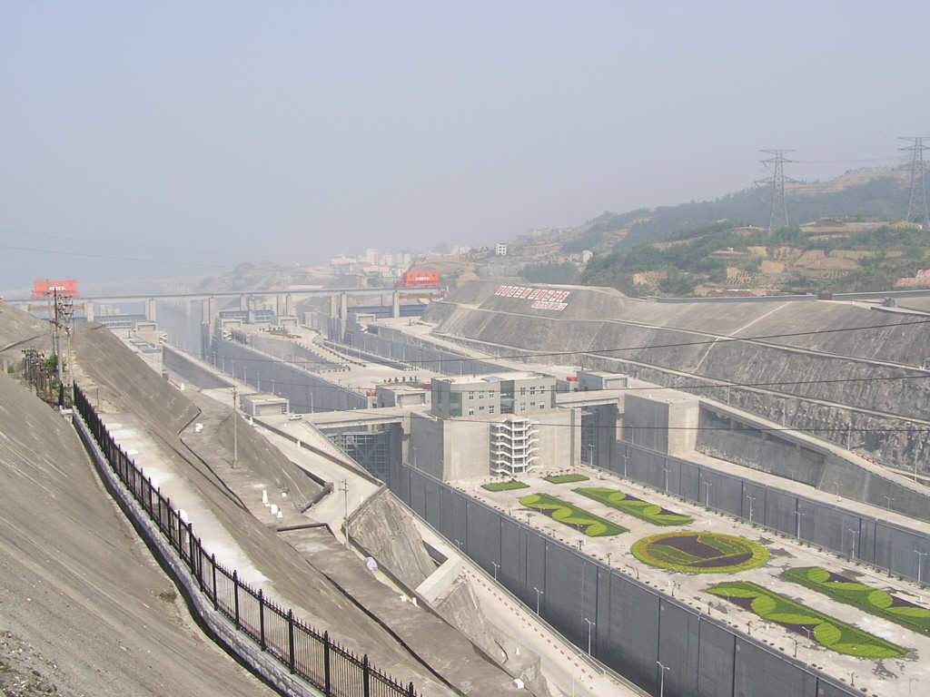 Three gorges dam project china s biggest project since the great wall - China Completes Mammoth Three Gorges Dam Hydro Electricity Project Wikinews The Free News Source