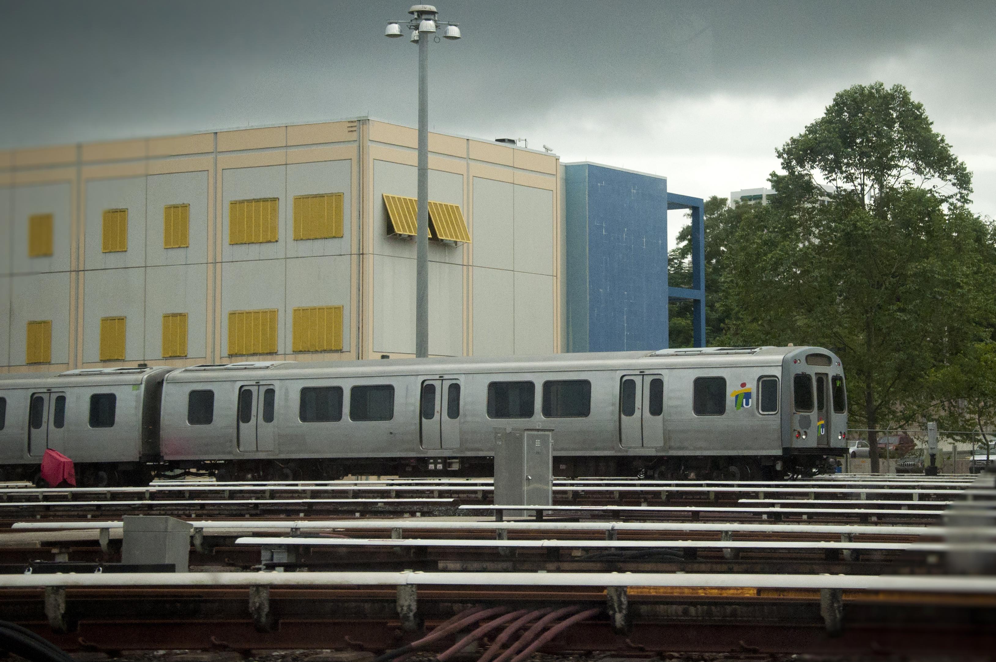Tren Urbano Logo File:tren Urbano Maintenance