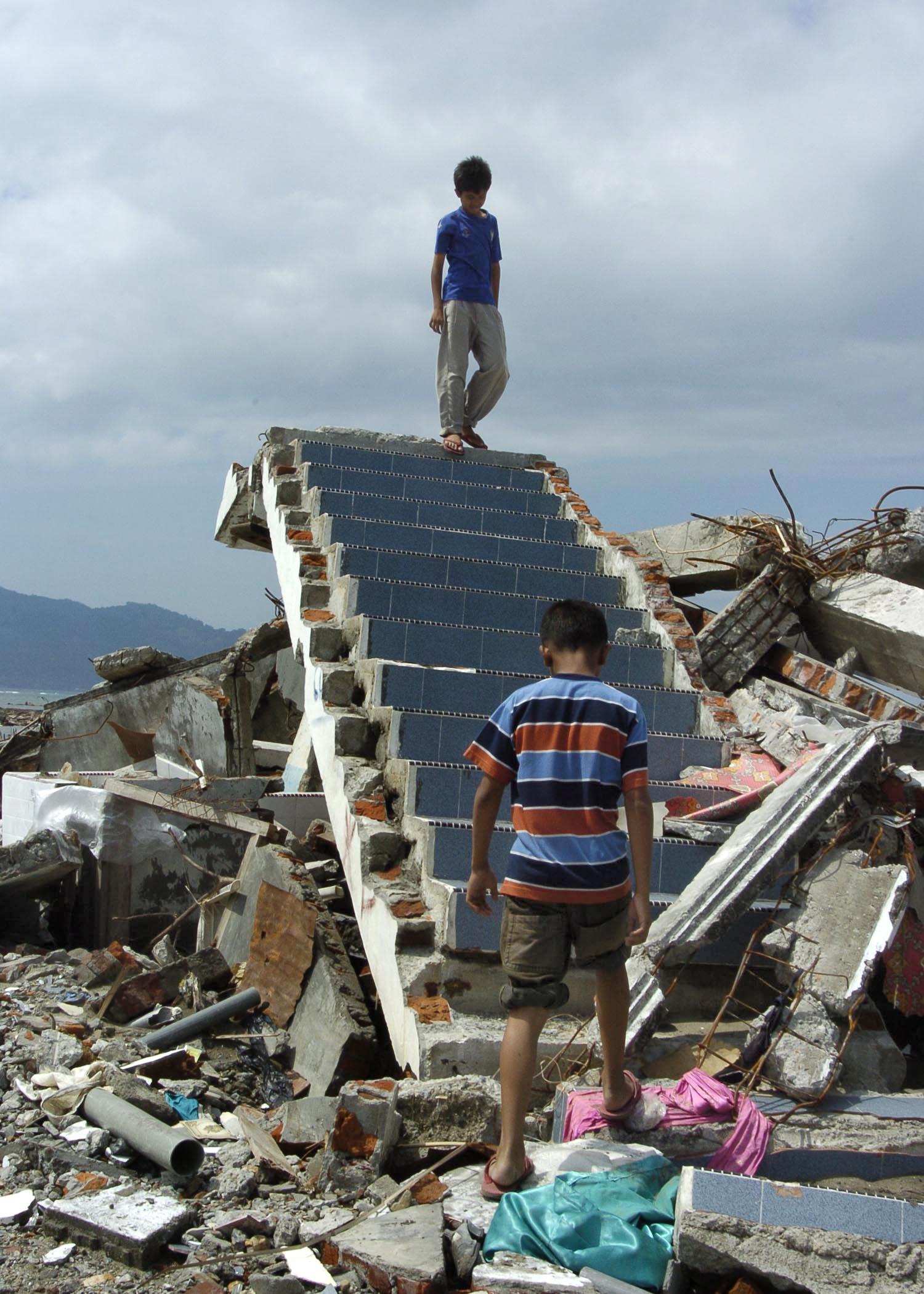 whats a tsunami essay