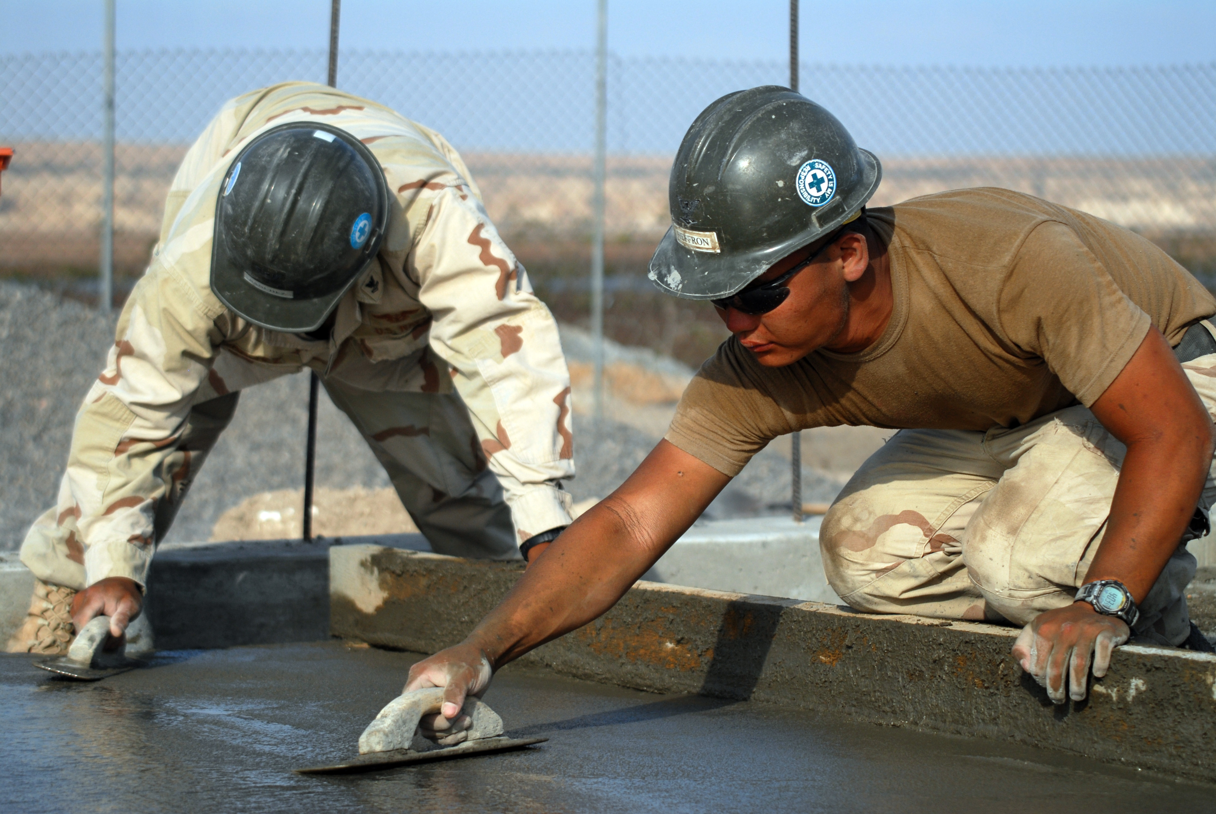 File us navy 080112 n 0260r 020 builder 2nd class johan for Builder contractors