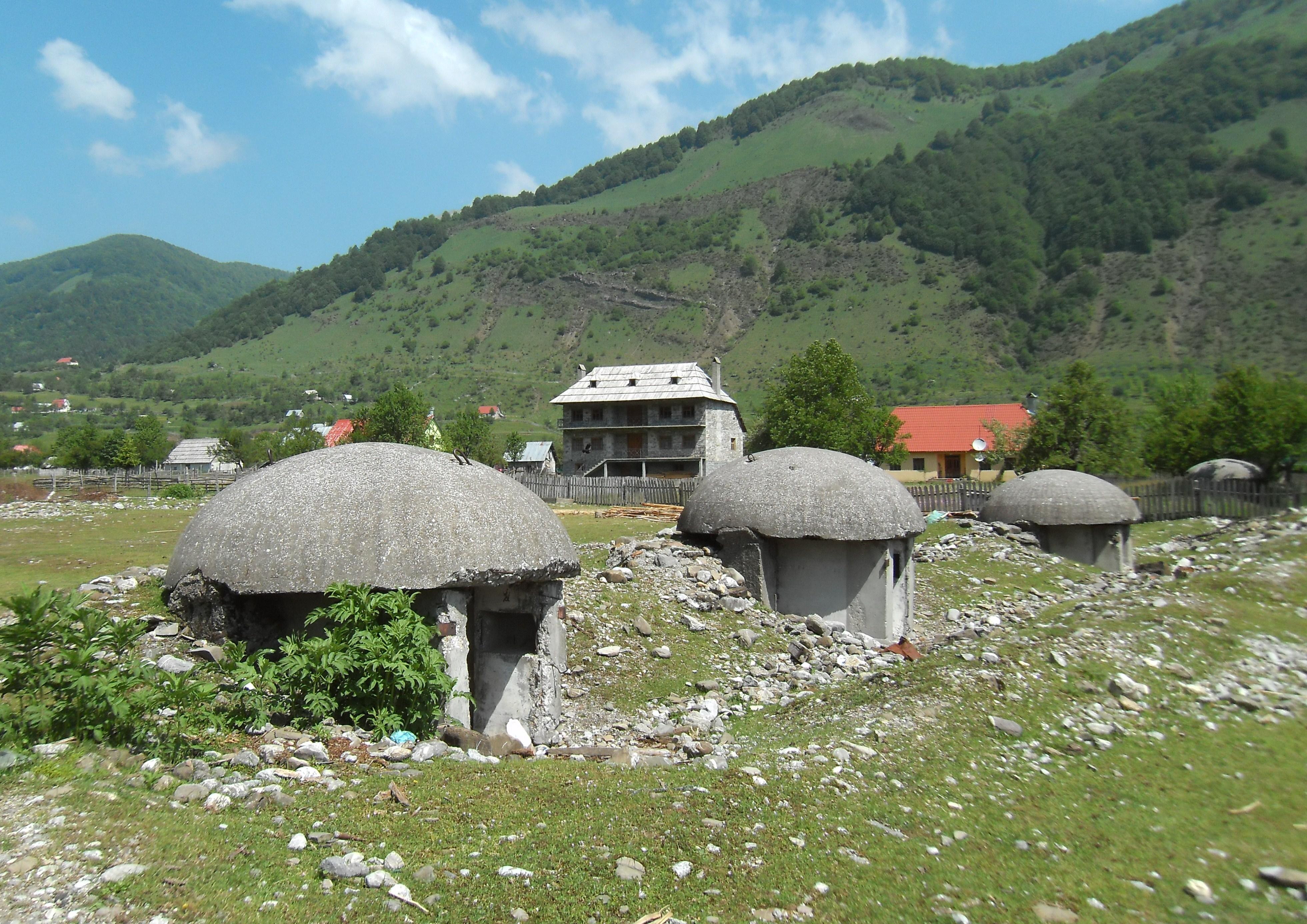 Ein mann bunker albanien dating 10