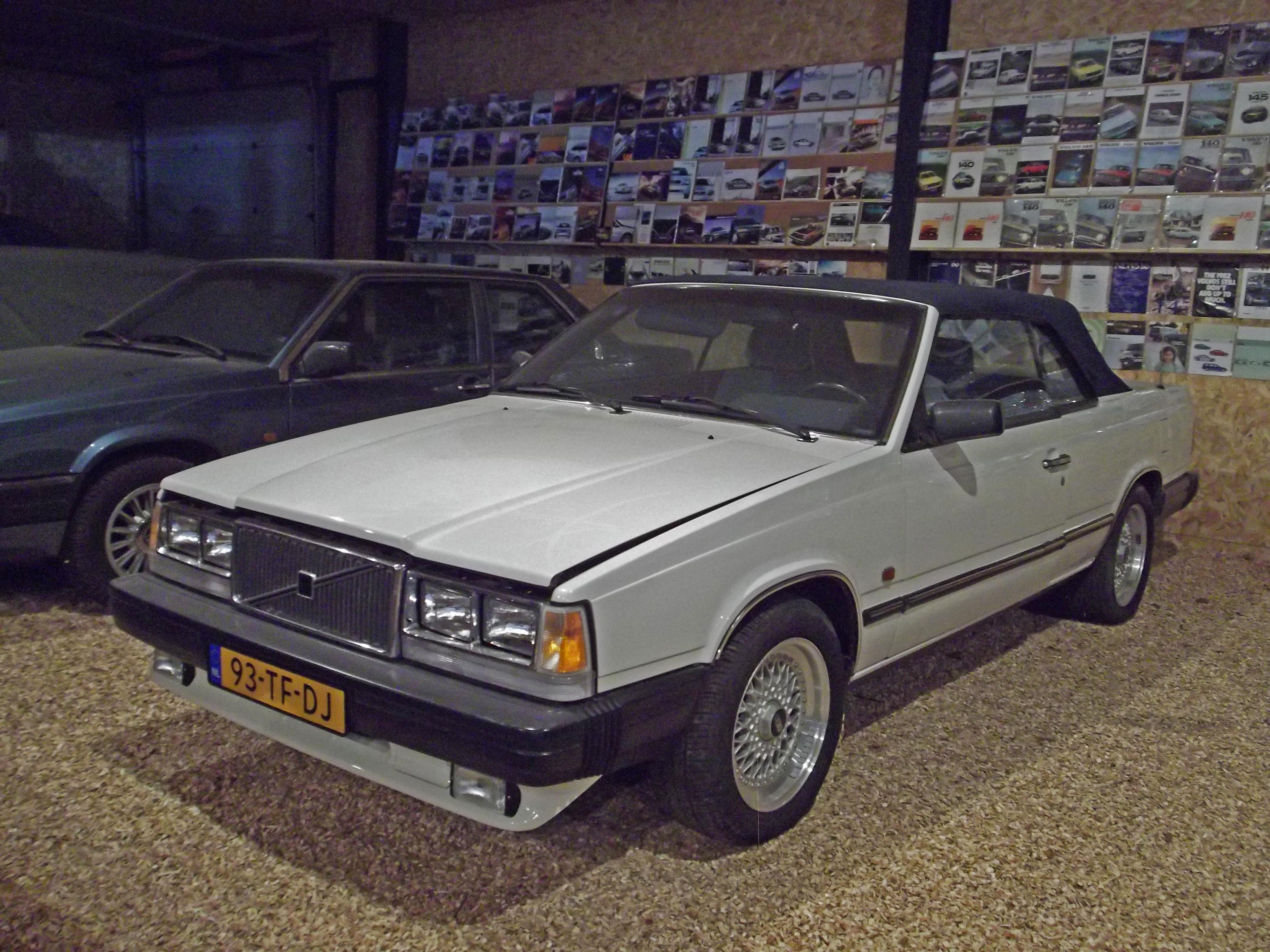 File:Volvo 780 Convertible (14487895265).jpg - Wikimedia Commons