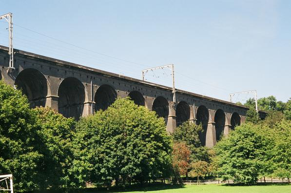 Digswell Viaduct - Wikipedia