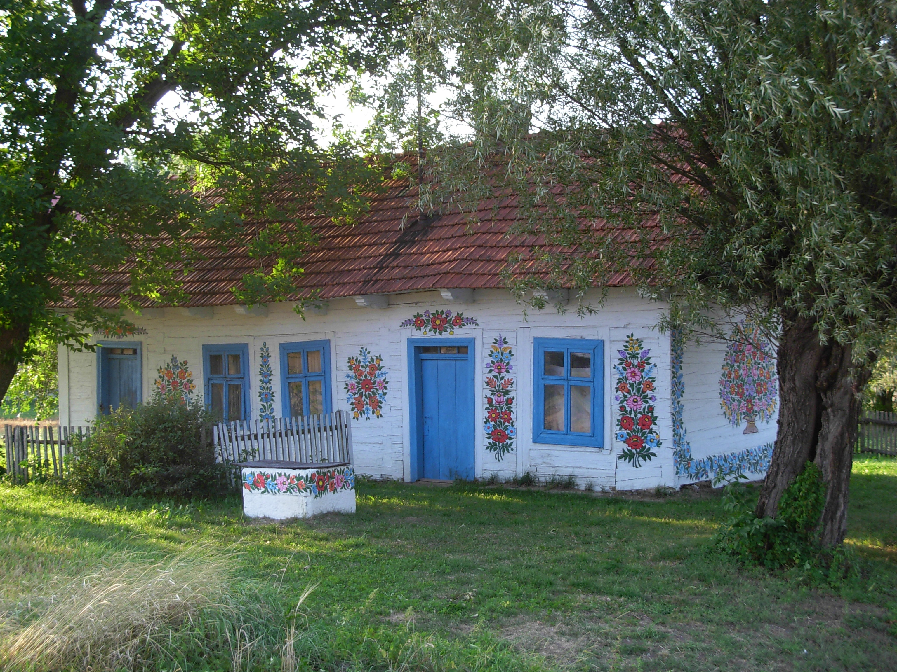File Zalipie Painted Cottage 04 Jpg Wikimedia Commons