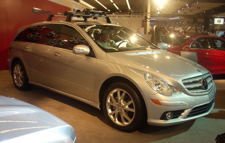 File 39 08 mercedes benz r class montreal jpg wikimedia for Mercedes benz montreal