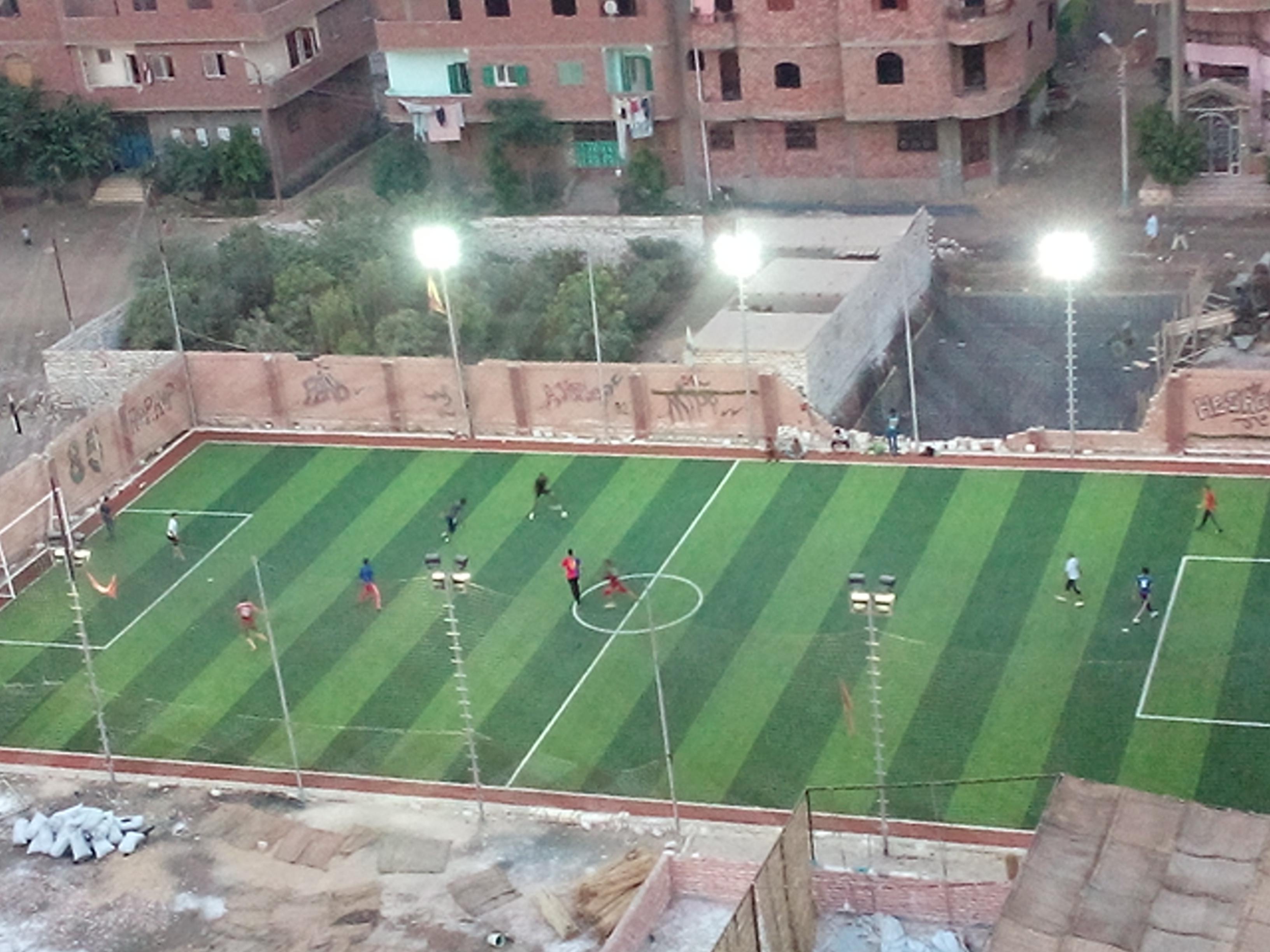 2771625ef ملف:ملعب كرة قدم السلام يقع في شمال مدينة مغاغة بحي العبور، تقسيم السلام