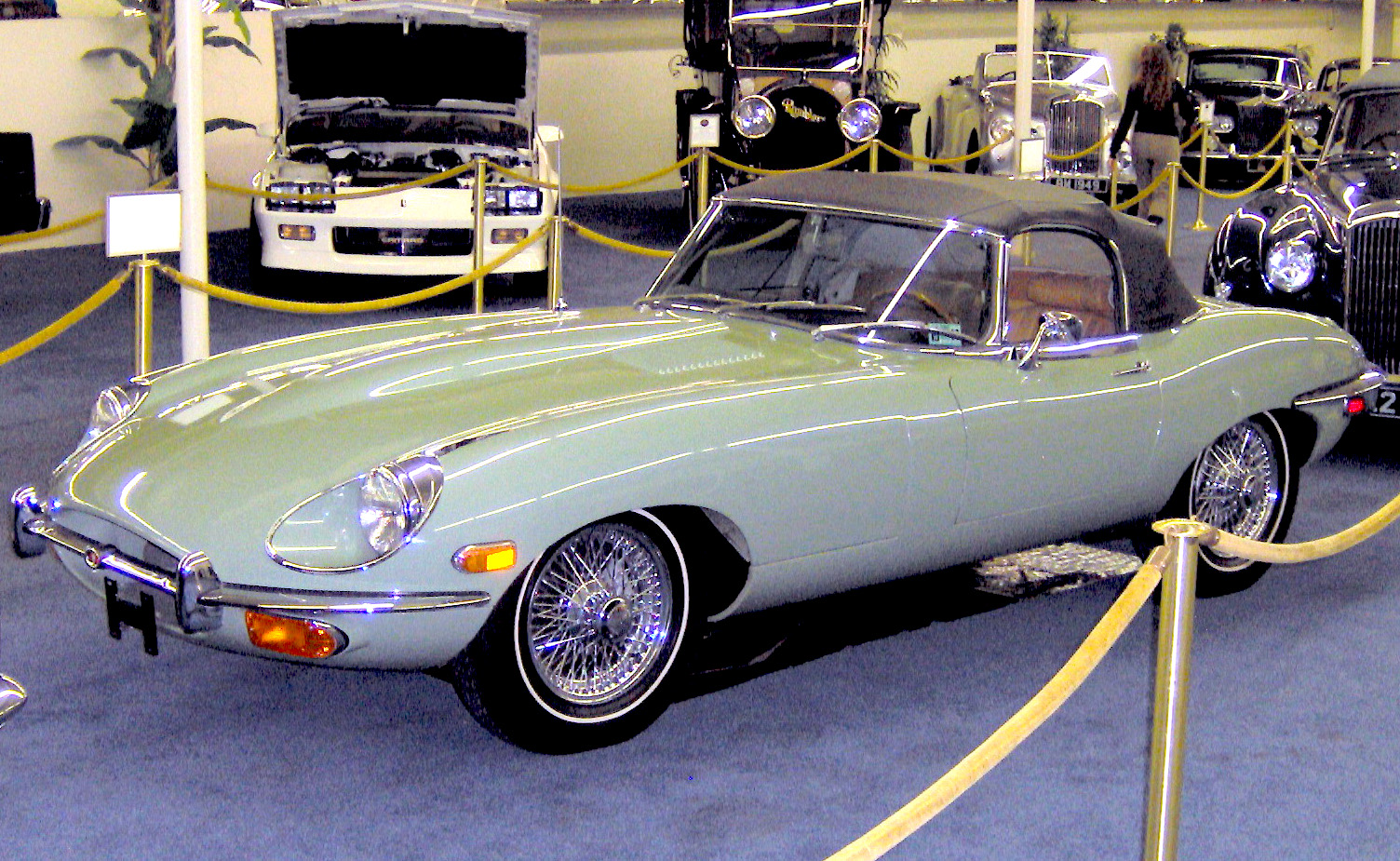 File:1970 Jaguar E-Type Roadster.JPG - Wikimedia Commons
