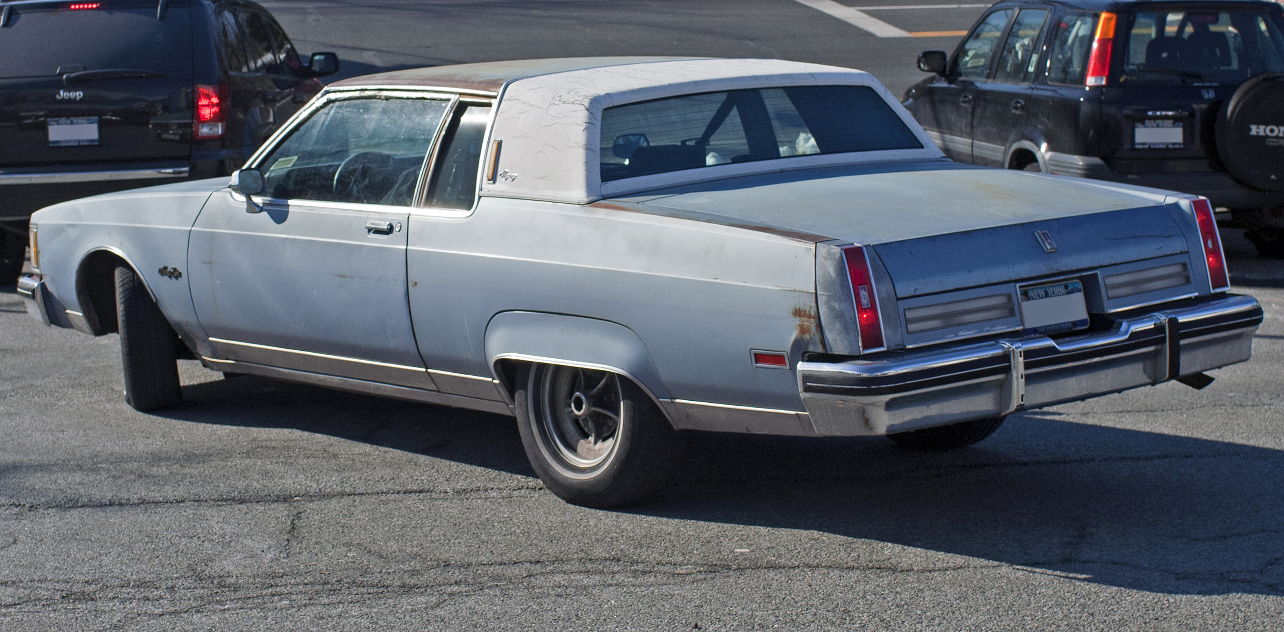 84 Oldsmobile 98 Regency http://commons.wikimedia.org/wiki/File:1980-84_Oldsmobile_98_Regency_coup%C3%A9.jpg