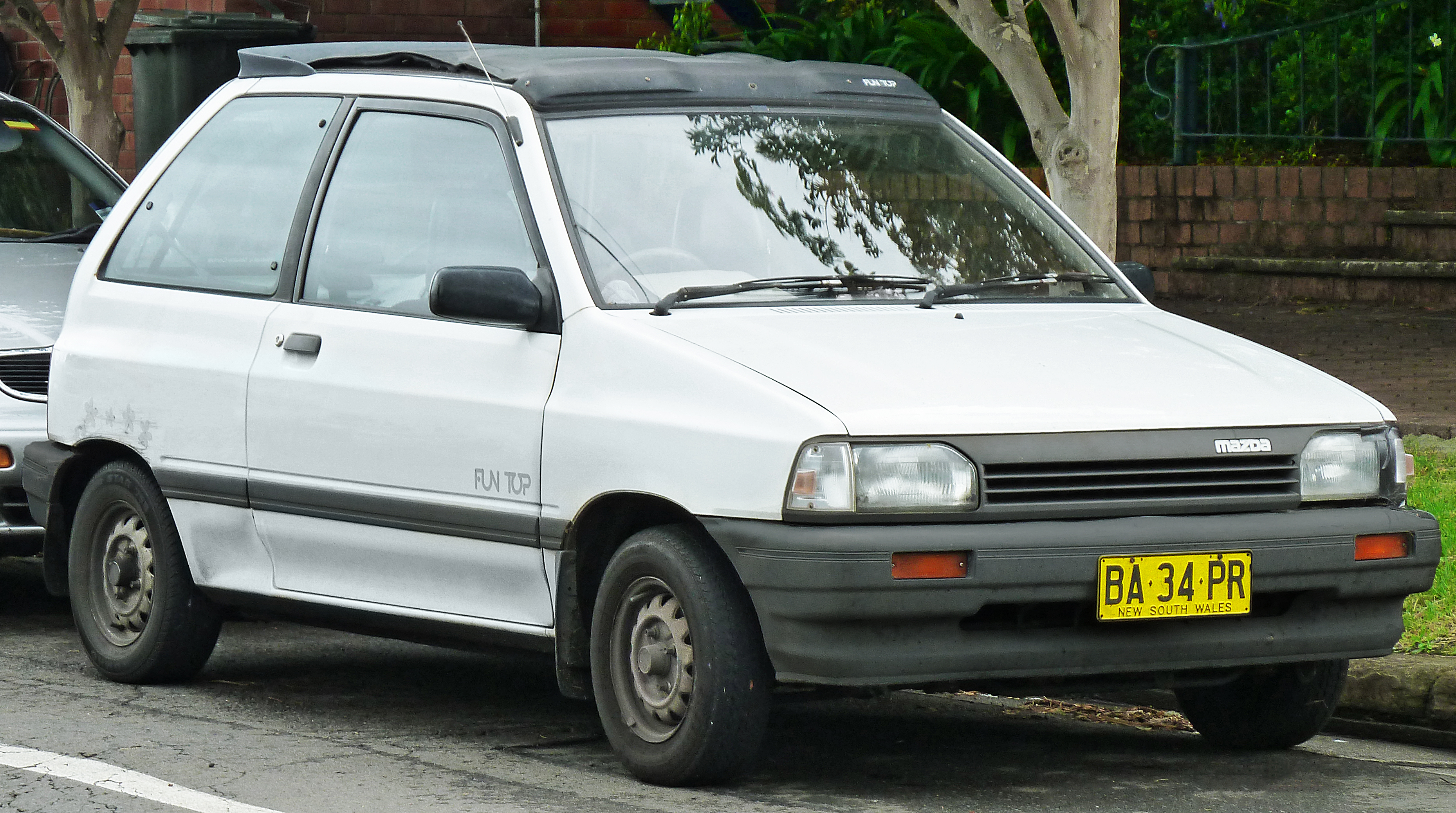 File 1988 Mazda 121 Da Fun Top 3 Door Hatchback 2012 01