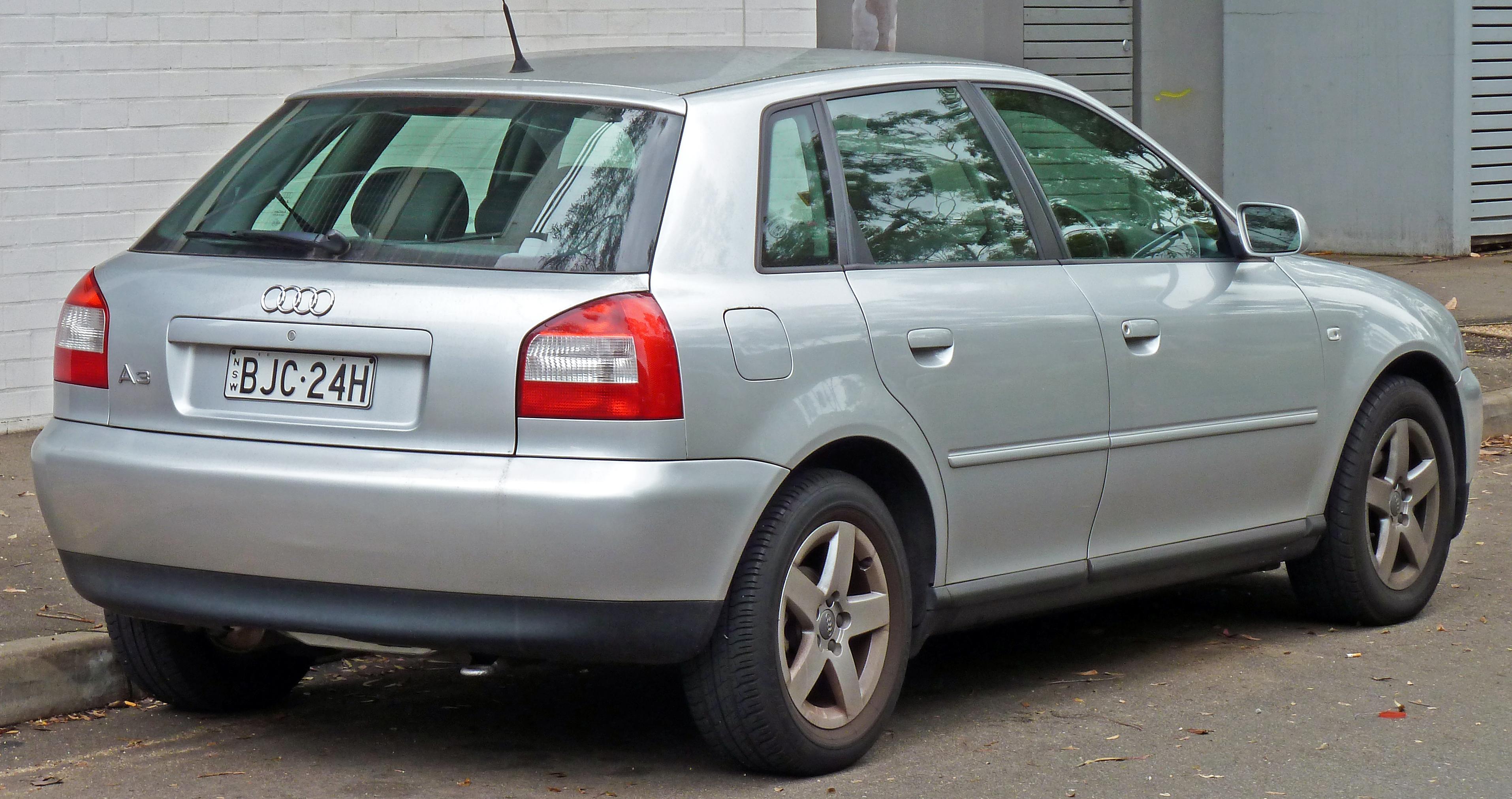 File 2000 2004 Audi A3 8l 1 6 5 Door Hatchback 2010 07
