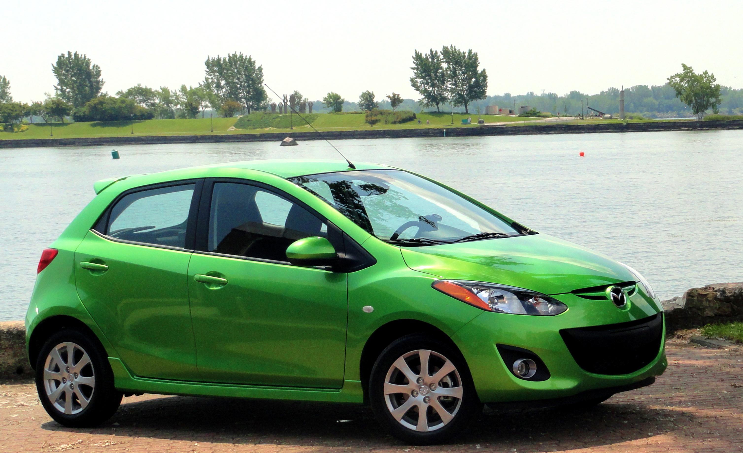 2011_Mazda_Mazda2_Touring.jpg