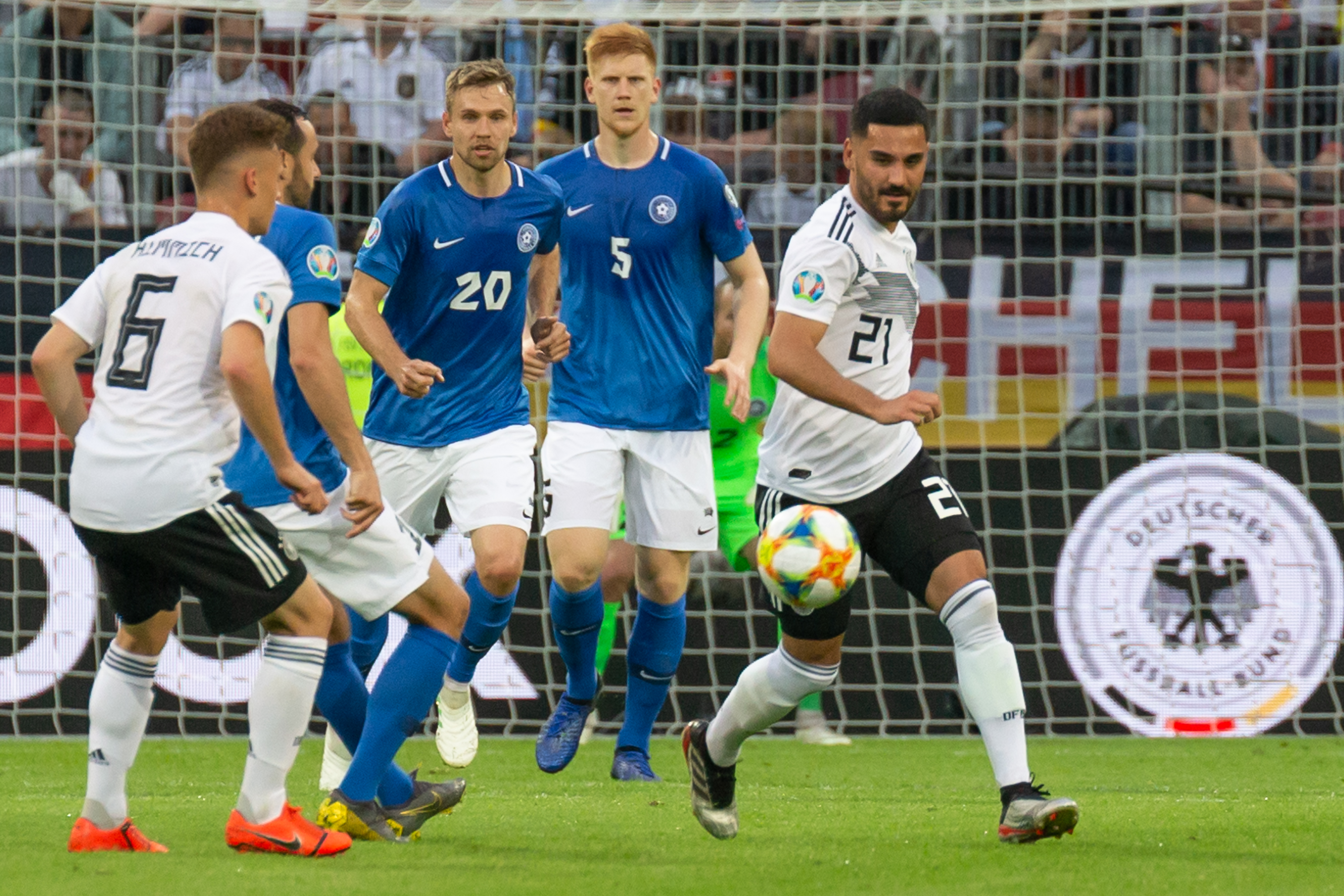 File:2019-06-11 Fußball, Männer, Länderspiel, Deutschland-Estland StP 2170 LR10 by Stepro.jpg - Wikipedia