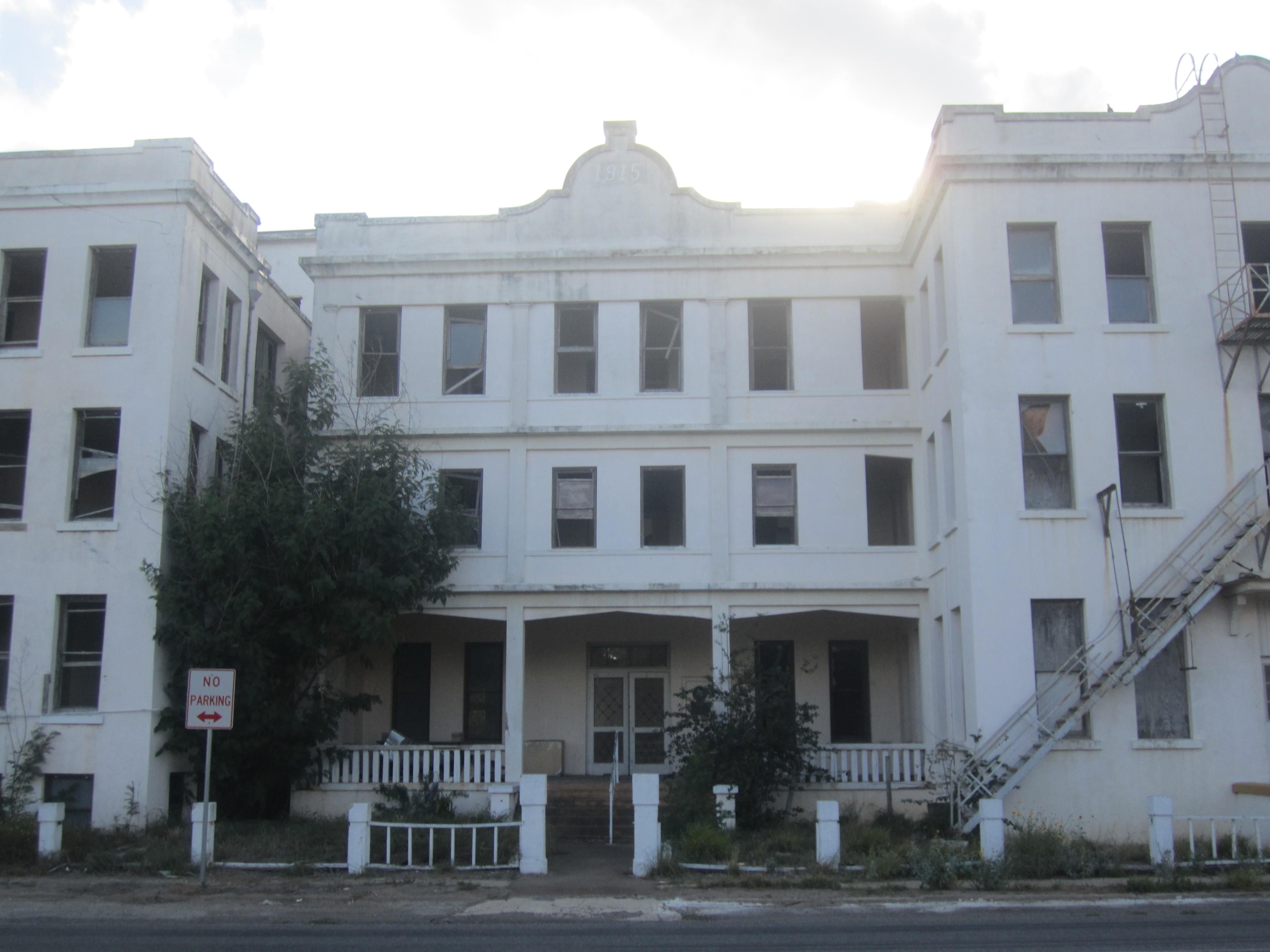 File Abandoned Hotel Viggo In Hebbronville Tx Img 3387