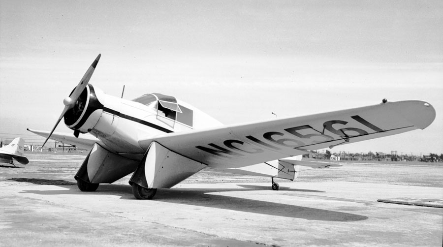 Model L (Model LB) photo by Bill Larkins, from Wikimedia Commons