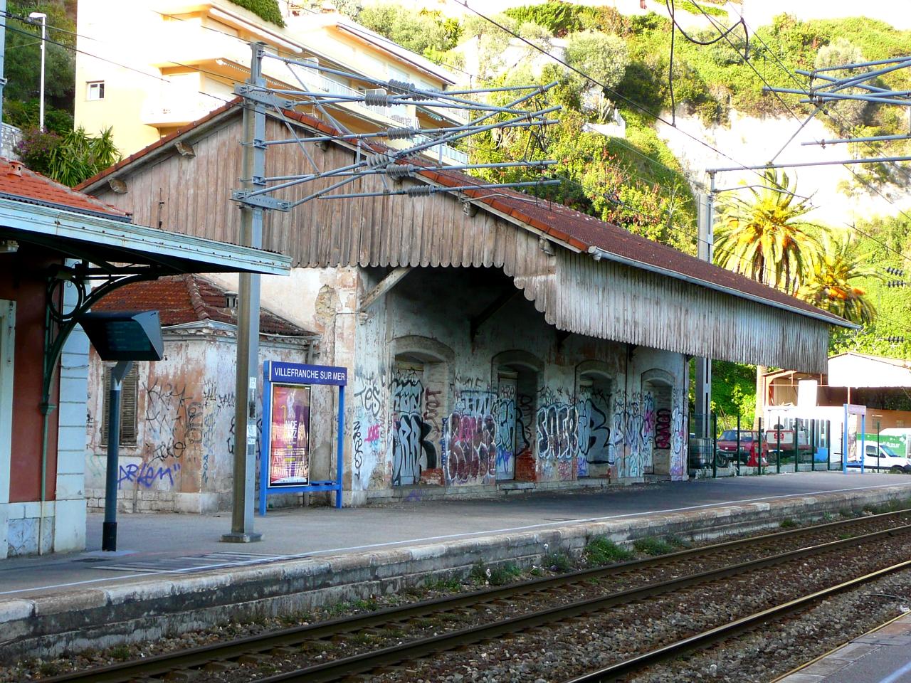 File ancienne halle de la gare de villefranche sur for I architecture villefranche
