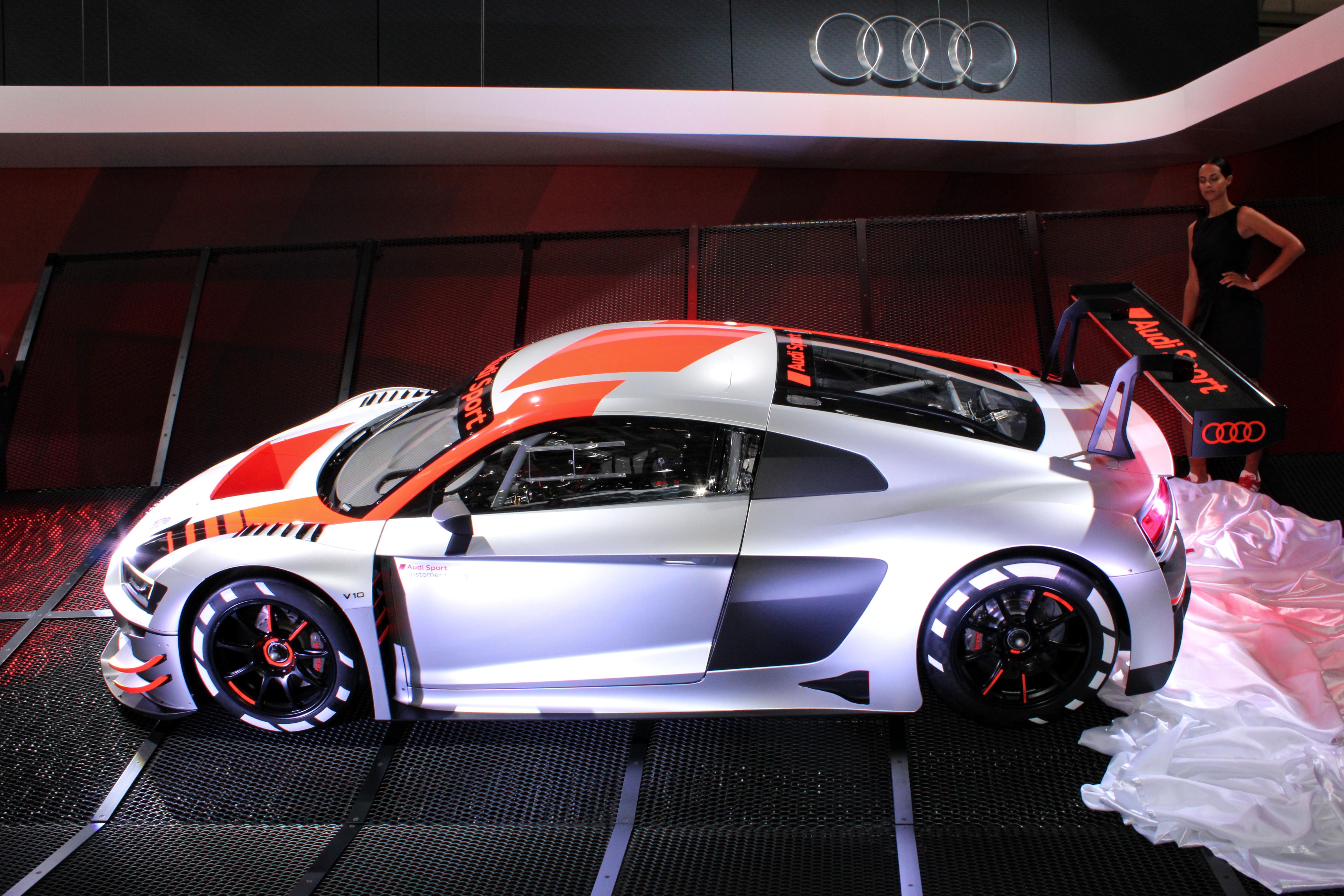 Fichier:Audi R8 LMS GT3, Paris Motor Show 2018, IMG 0411.jpg