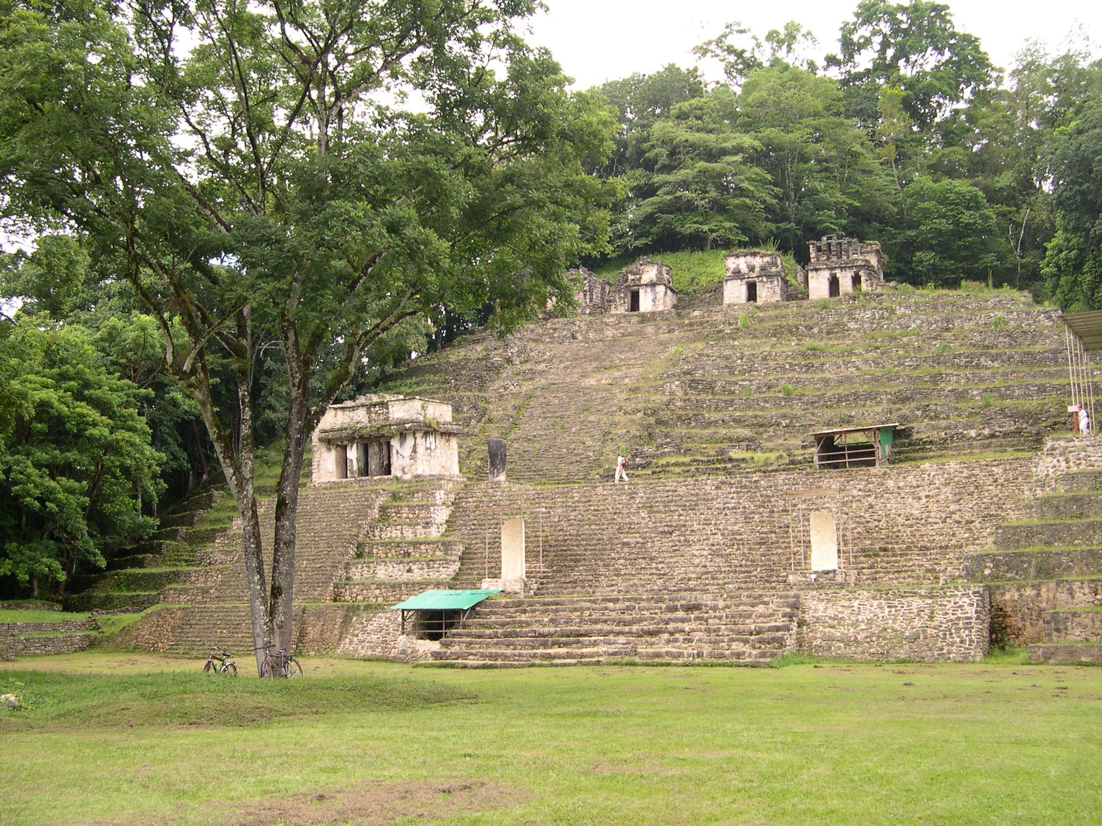 Topologías arquitectónicas de los Pueblos Prehispánicos