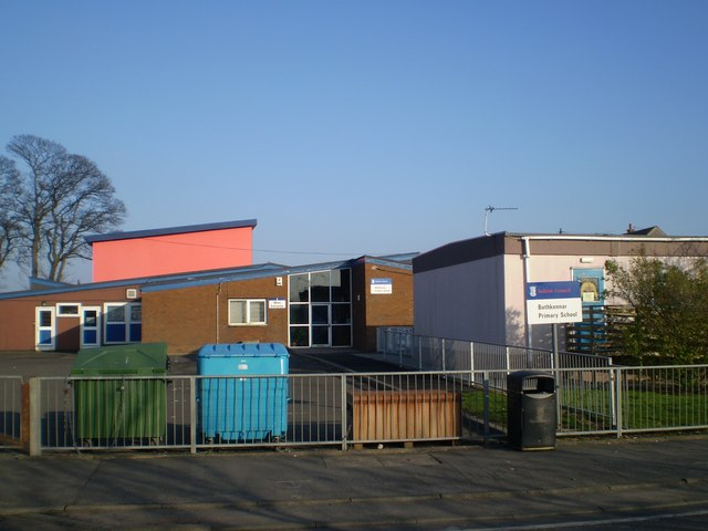 File:Bothkennar Primary School, Skinflats - geograph.org ...