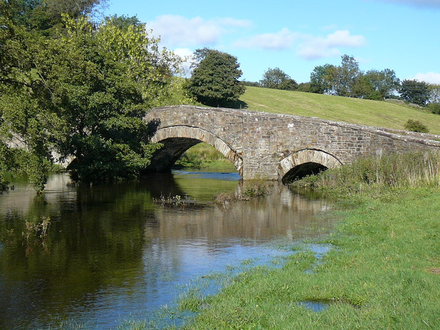 Bridge at edge of Semerwater and start of river Bain - geograph.org.uk - 1424601