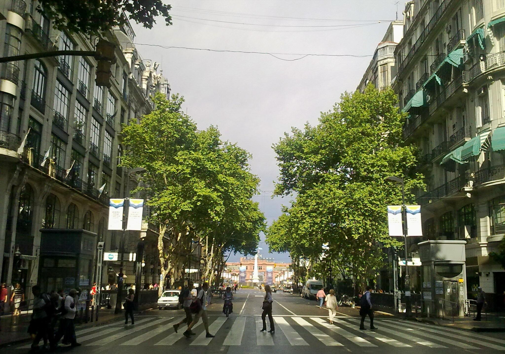 Depiction of Avenida de Mayo
