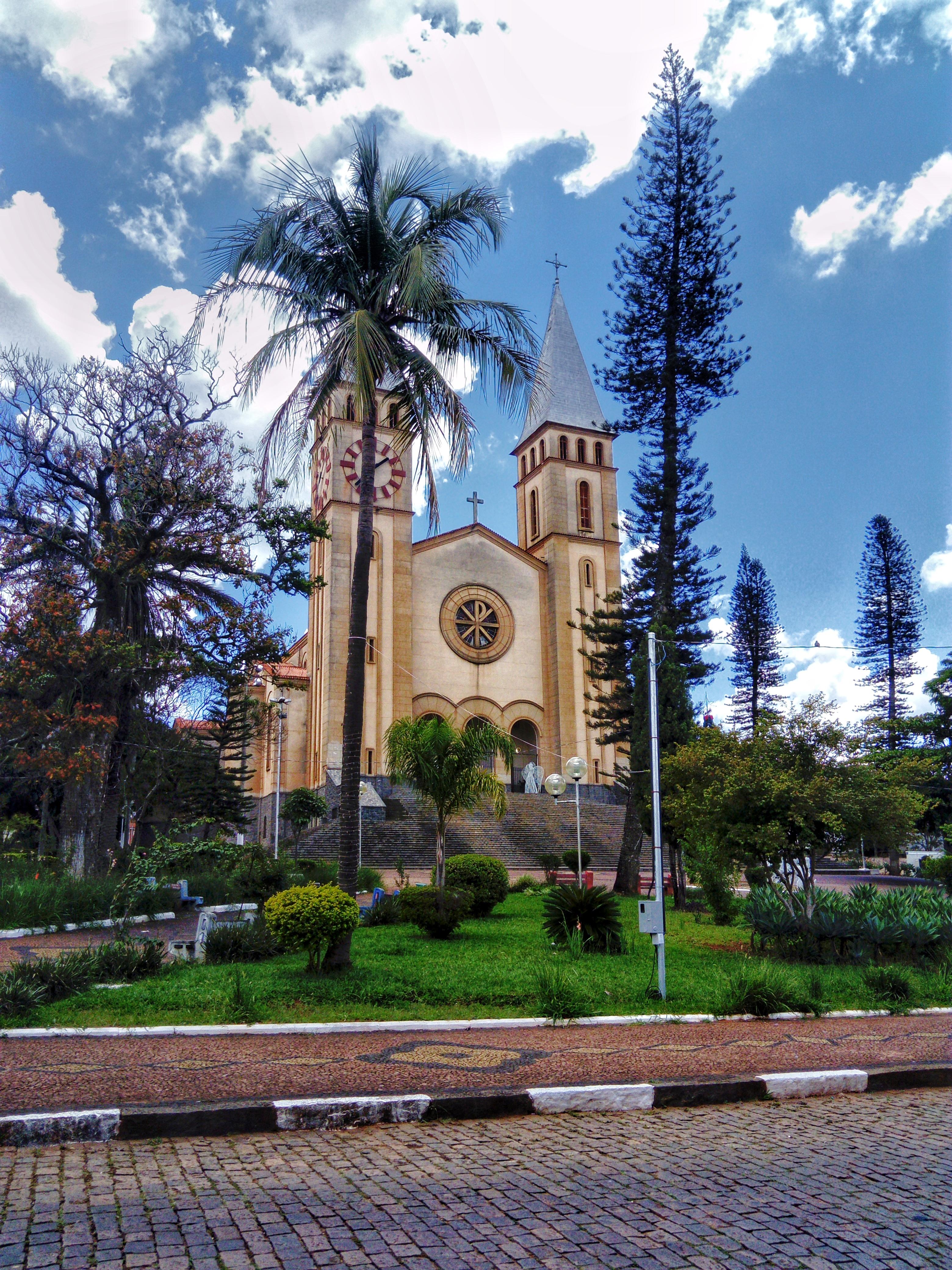 Guaxupé Minas Gerais fonte: upload.wikimedia.org