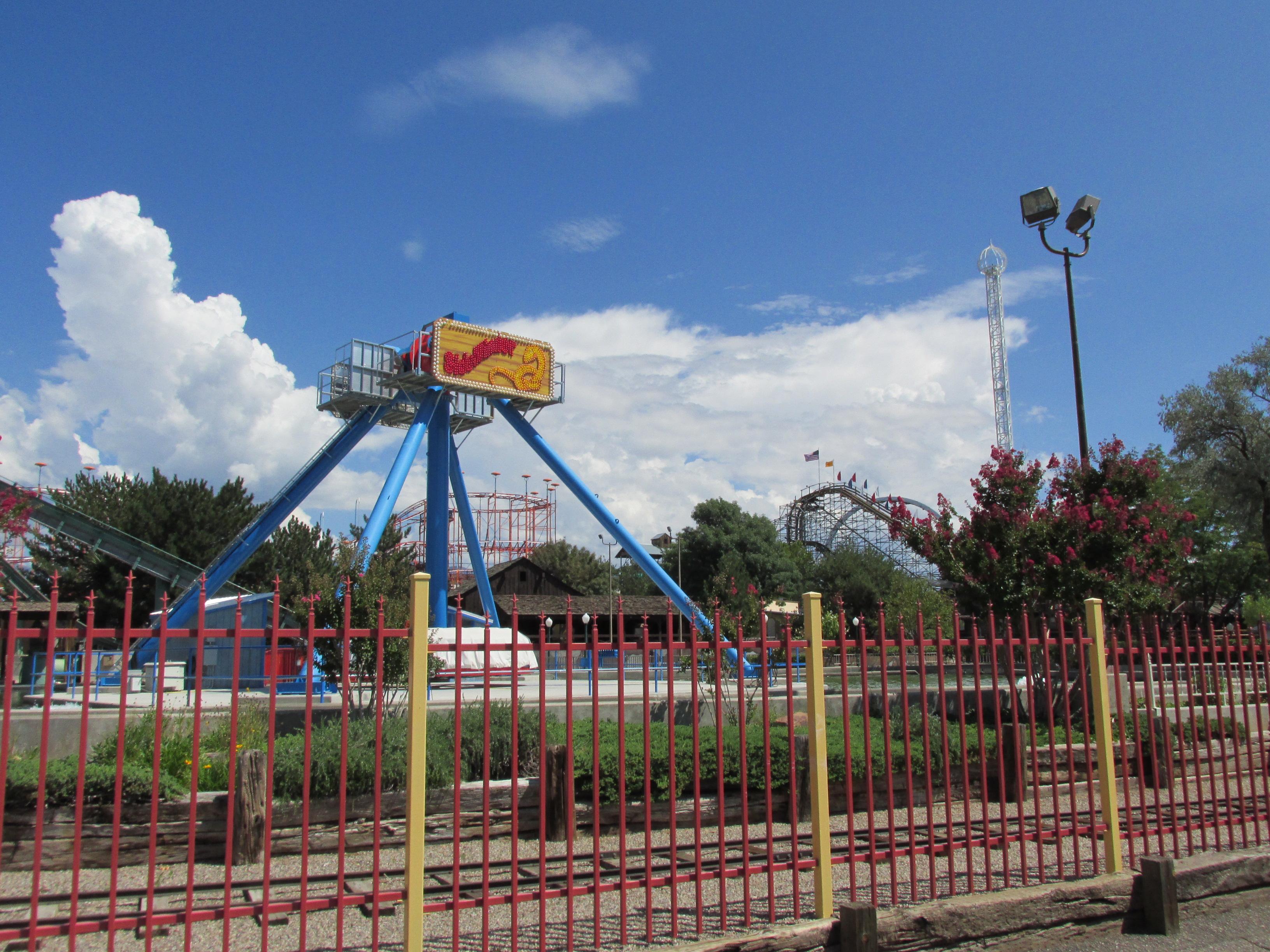 Buy Passes - Cliff's Amusement Park