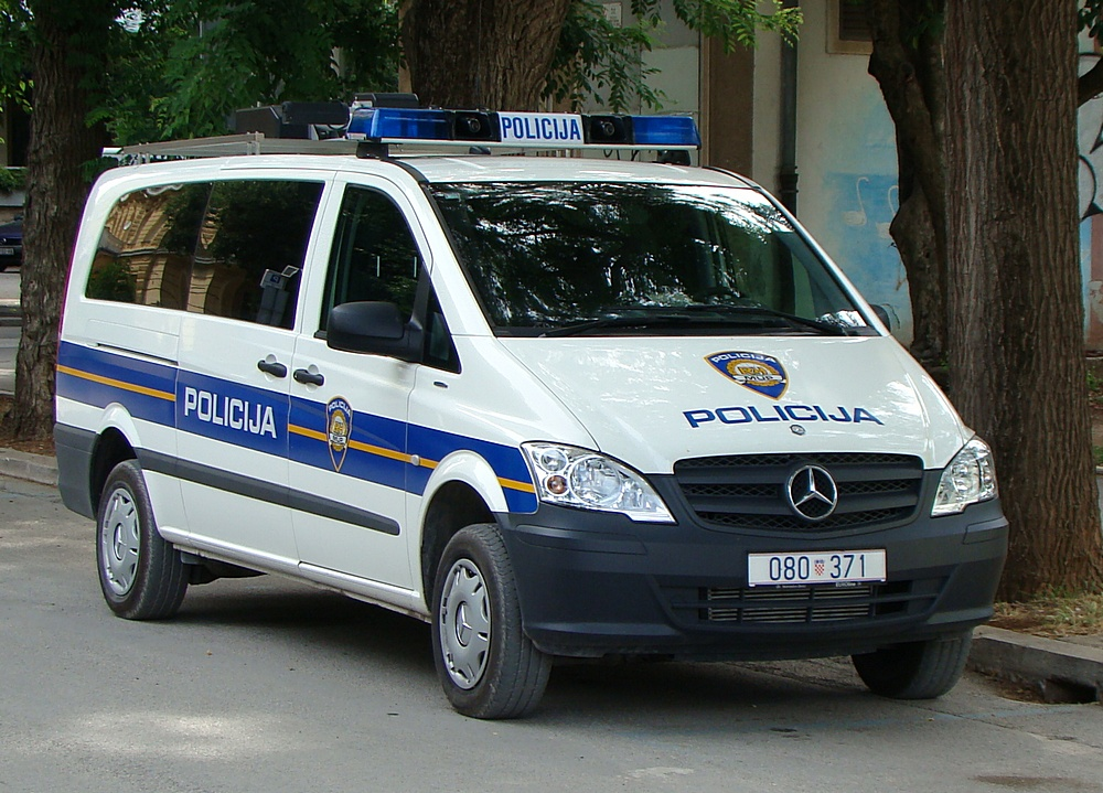 File Croatia Police Van 04 Jpg Wikimedia Commons