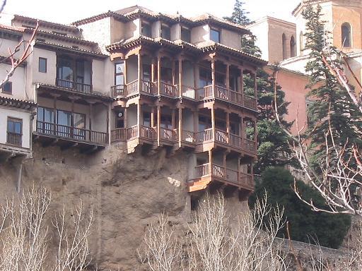 File cuenca casas colgadas wikimedia commons for Casa del arbol cuenca