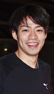 Daisuke Takahashi at the 2010 World Championships.jpg