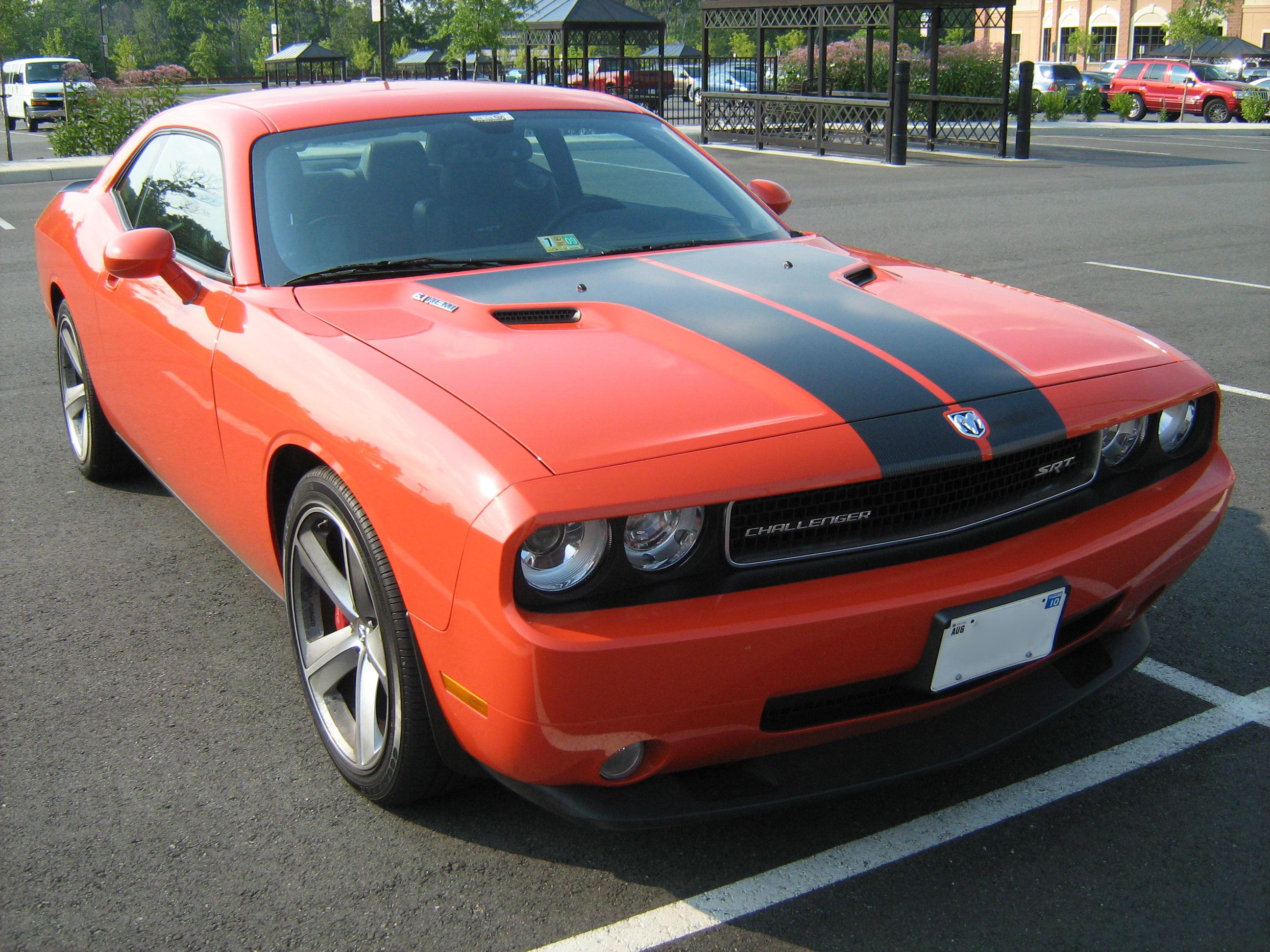 File:Dodge Challenger SRT8 Va Orange F