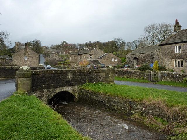 Downham Beck , bridge and village - geograph.org.uk - 1580577
