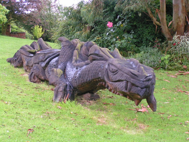 FileDragon garden ornament geographorguk 925798jpg