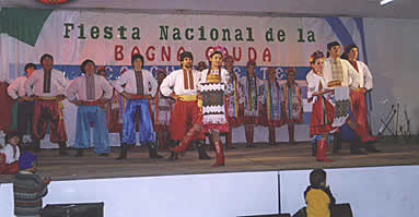 https://upload.wikimedia.org/wikipedia/commons/8/84/Fiesta_Nacional_de_la_Bagna_Cauda.jpg